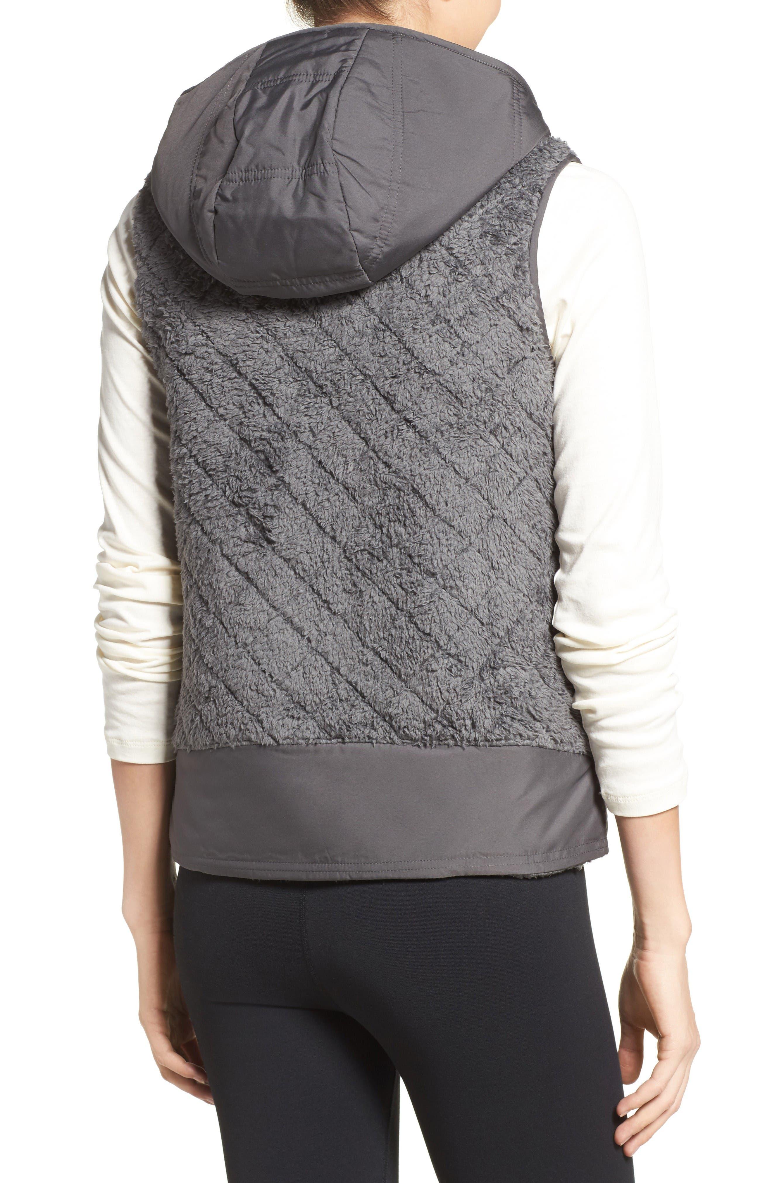 Alternate Image 2  - Patagonia Los Gatos Reversible Vest