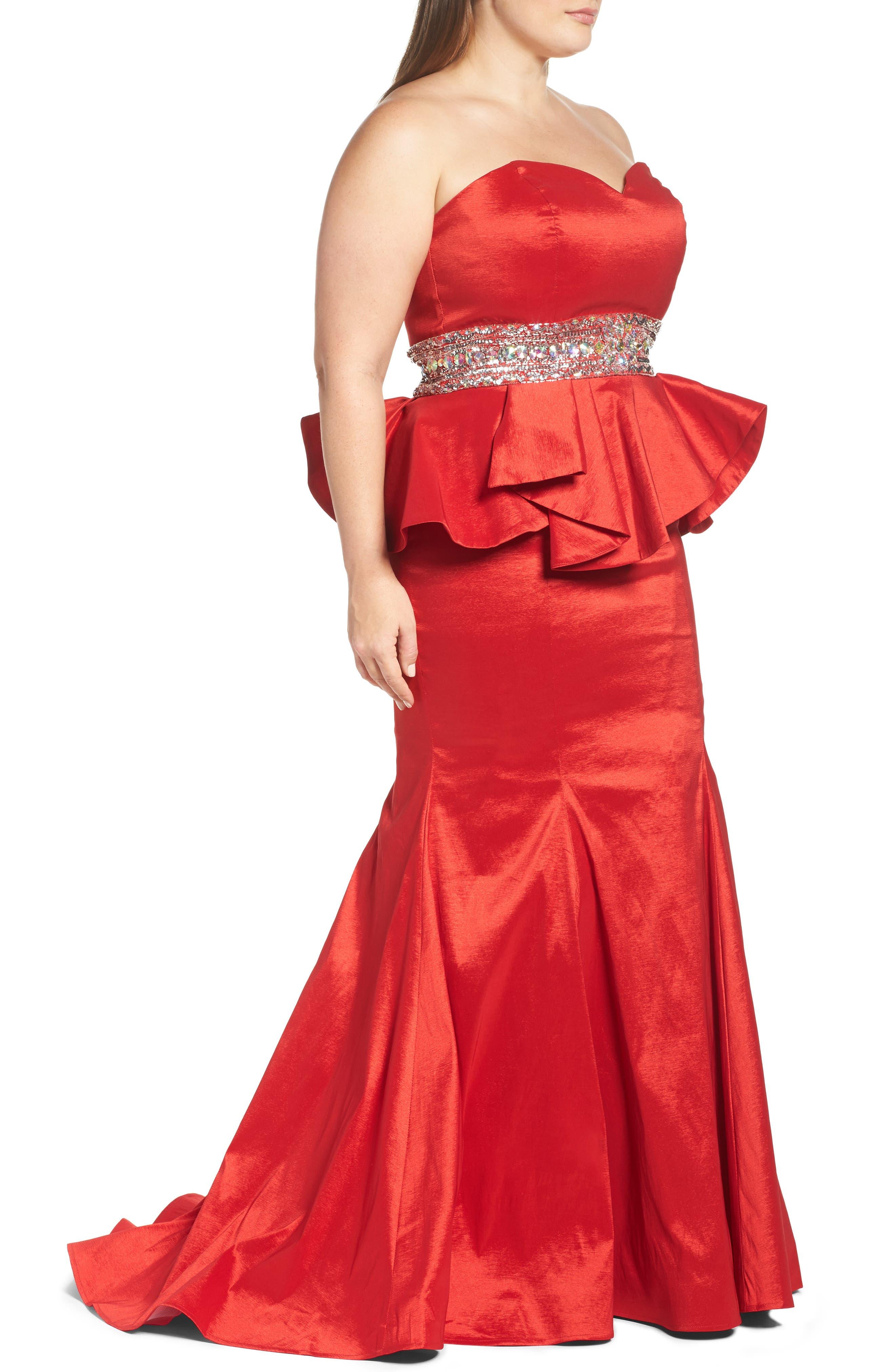 Alternate Image 3  - Mac Duggal Beaded Bustier Peplum Gown (Plus Size)