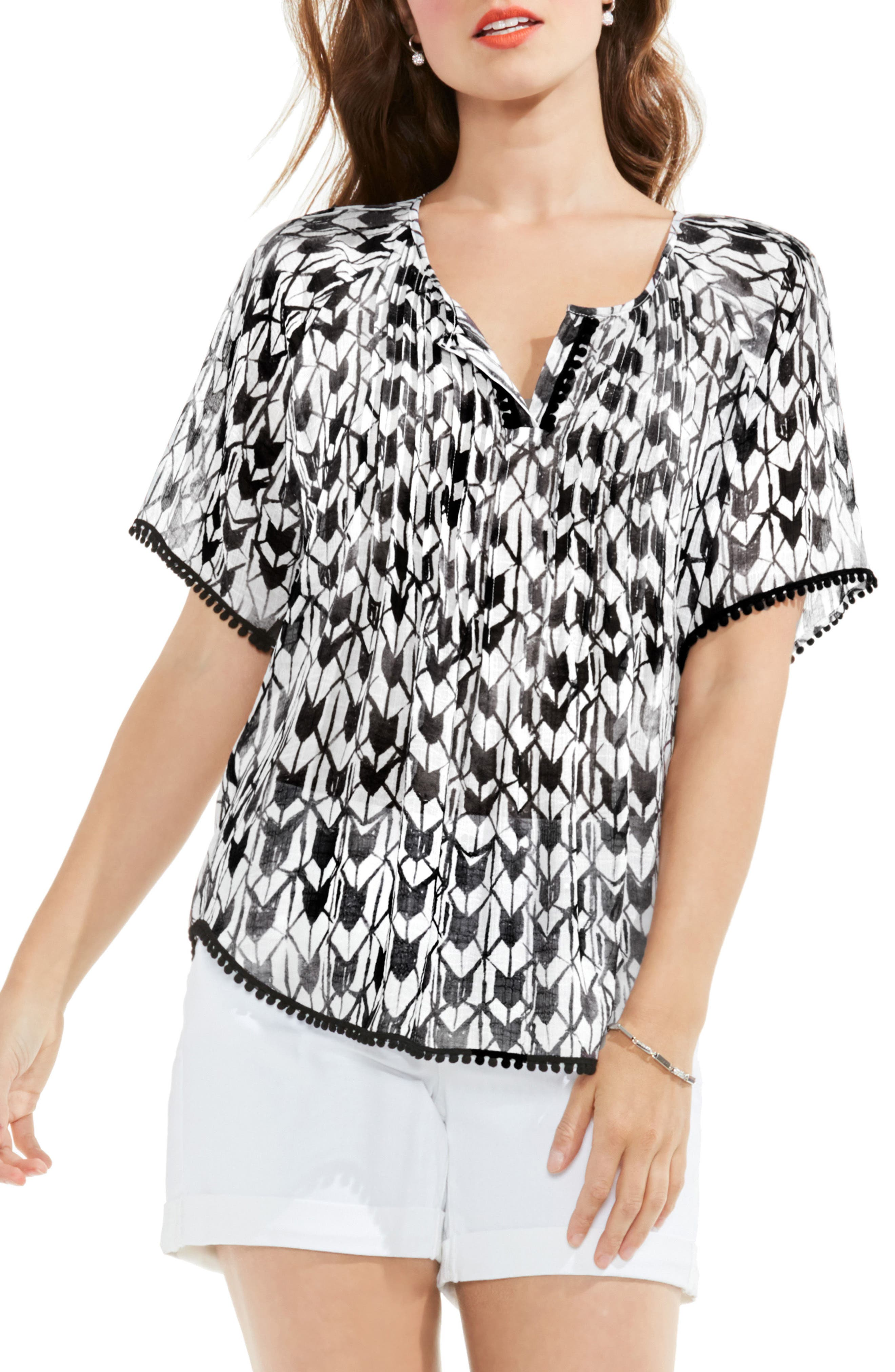 Two by Vince Camuto Geo Daydream Tassel Blouse