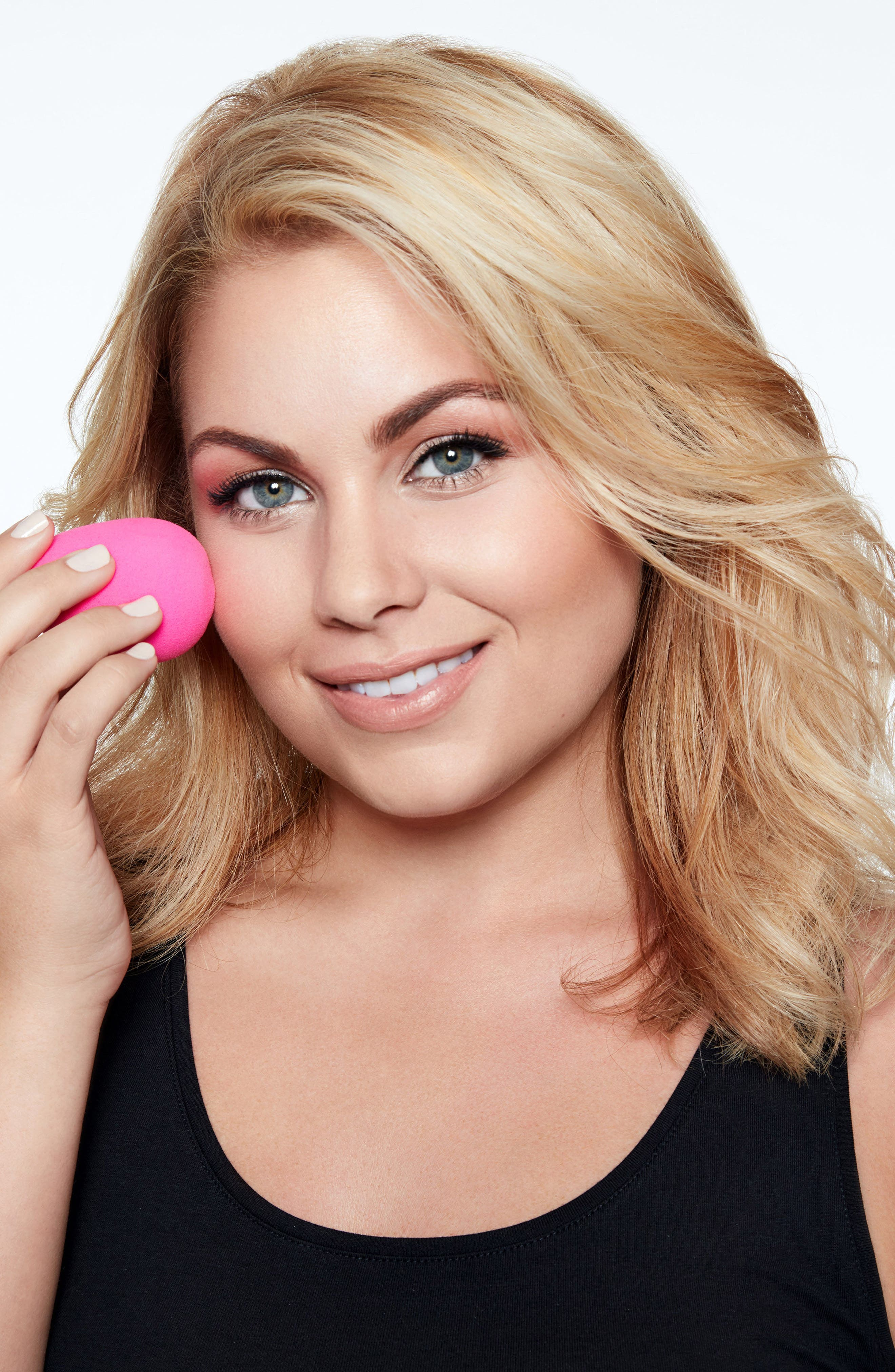 Alternate Image 2  - beautyblender® air.port.pro Makeup Sponge Applicator & Small Cosmetics Bag Set ($66 Value)