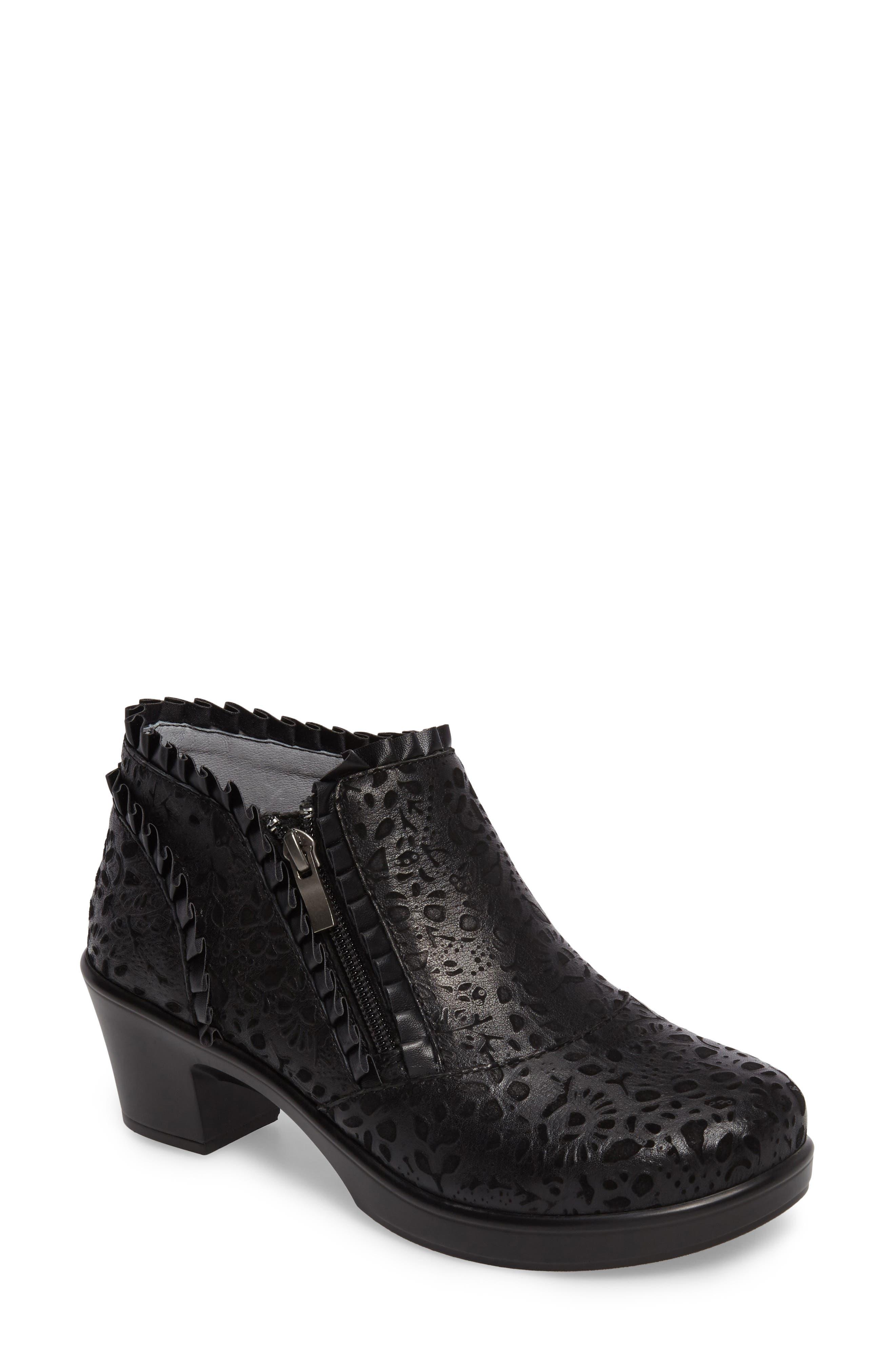 'Hannah' Saddle Boot,                         Main,                         color, Delicut Leather