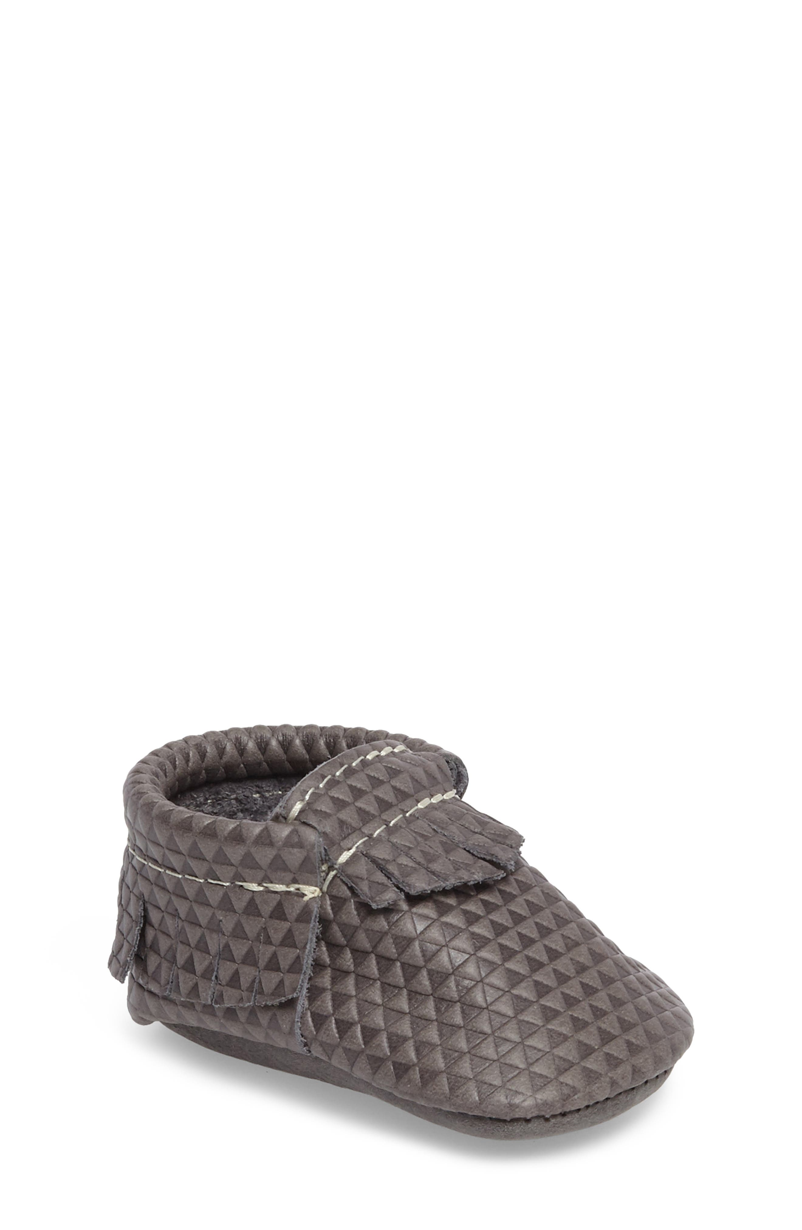 Freshly Picked Triangles Print Moccasin (Baby)