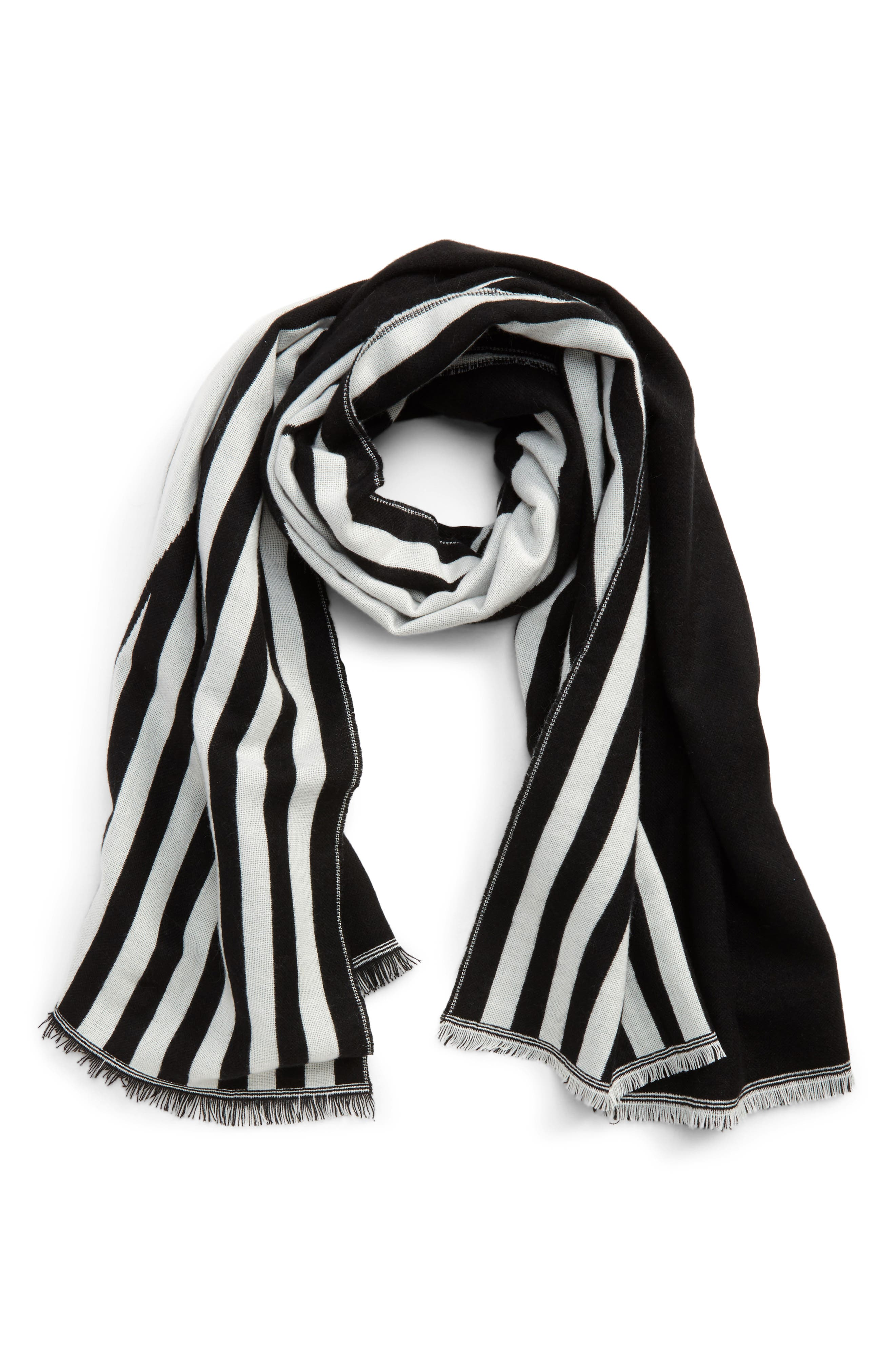 BP. Graphic Pattern Scarf