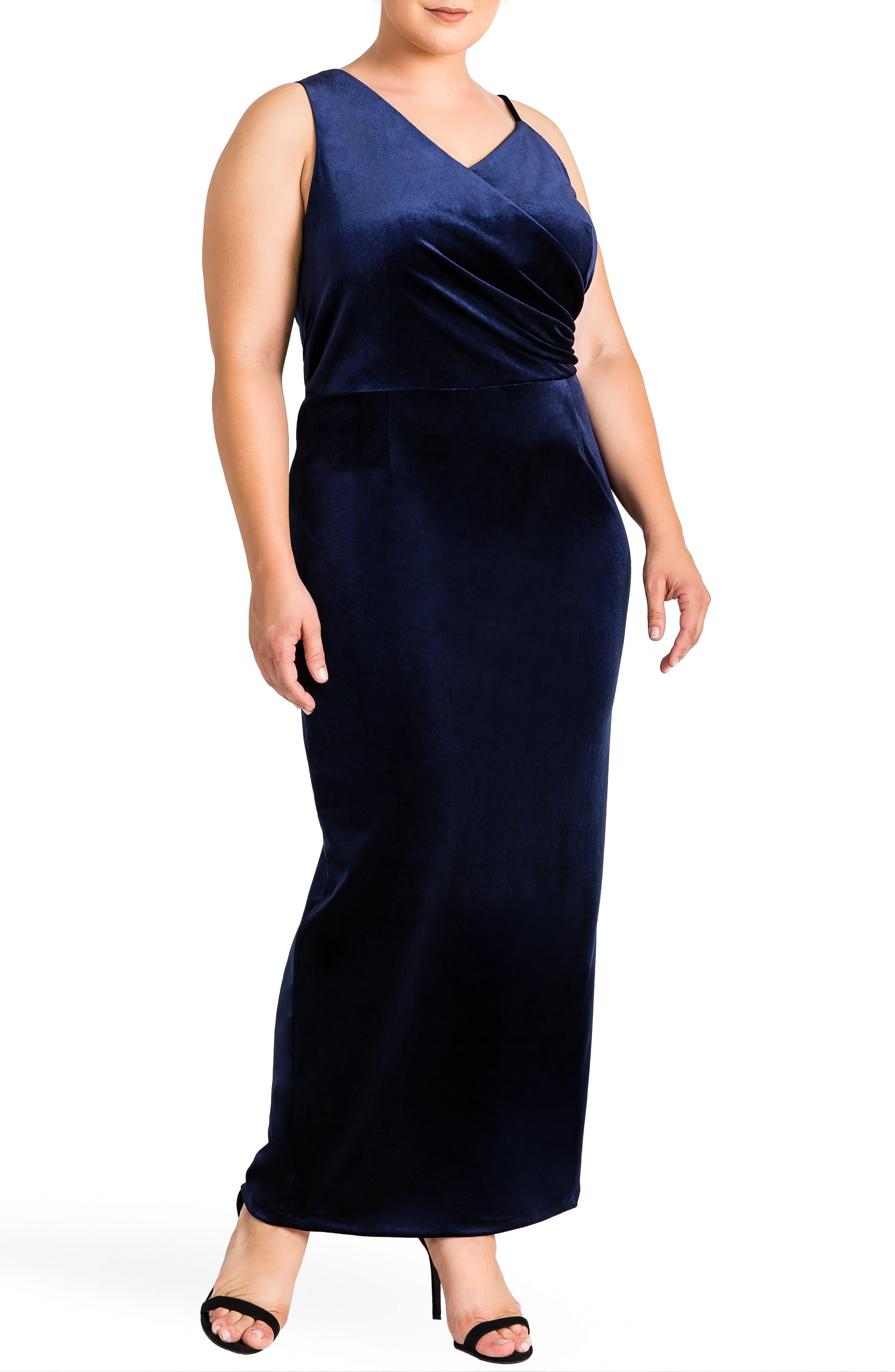 Standards & Practices Regan Velvet Sheath Gown (Plus Size)