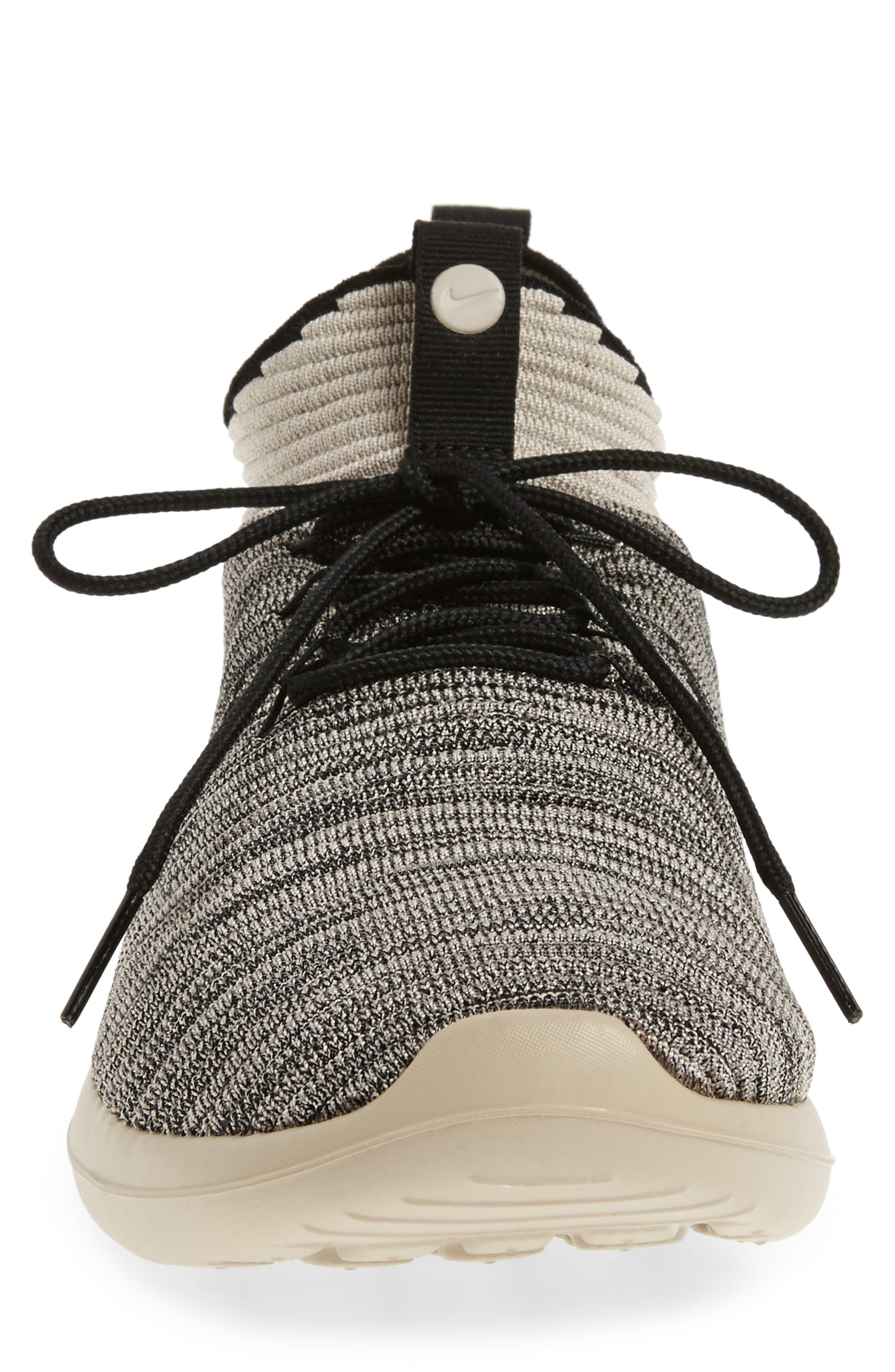 Alternate Image 4  - Nike Roshe Two Flyknit V2 Sneaker (Men)