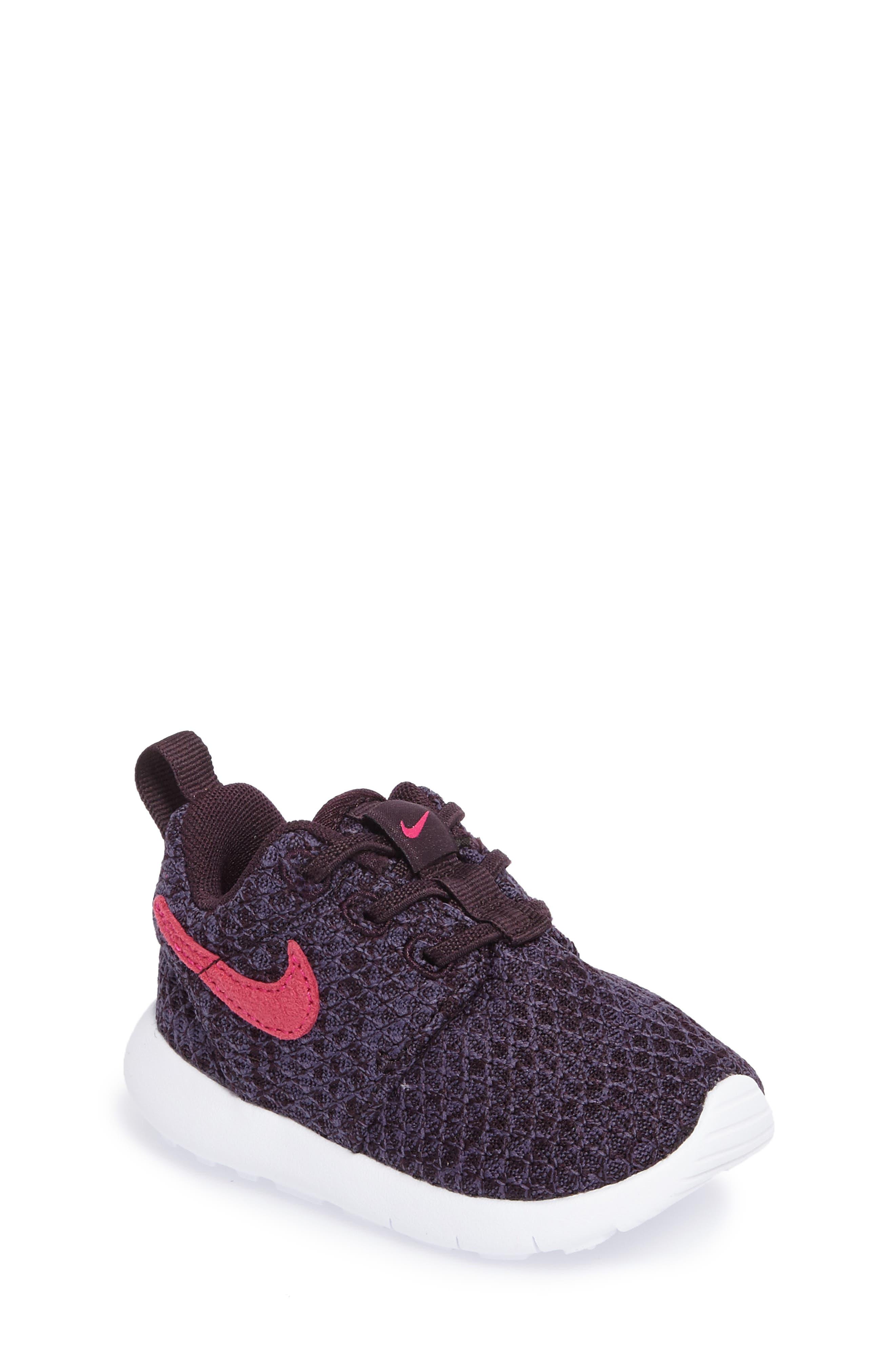 Nike Roshe Run Sneaker (Baby, Walker & Toddler)
