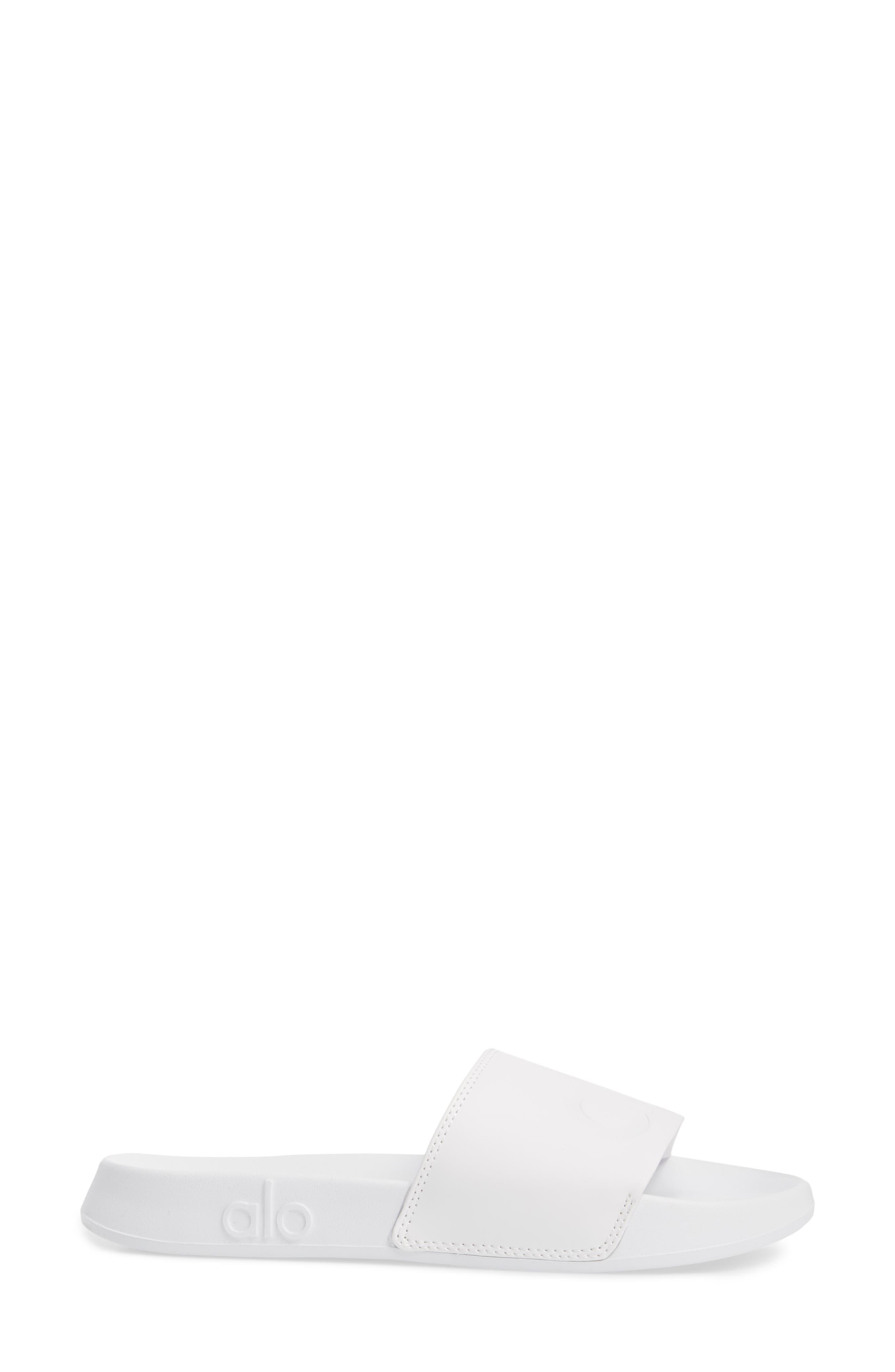 It 2 Sandal,                             Alternate thumbnail 3, color,                             White/ White