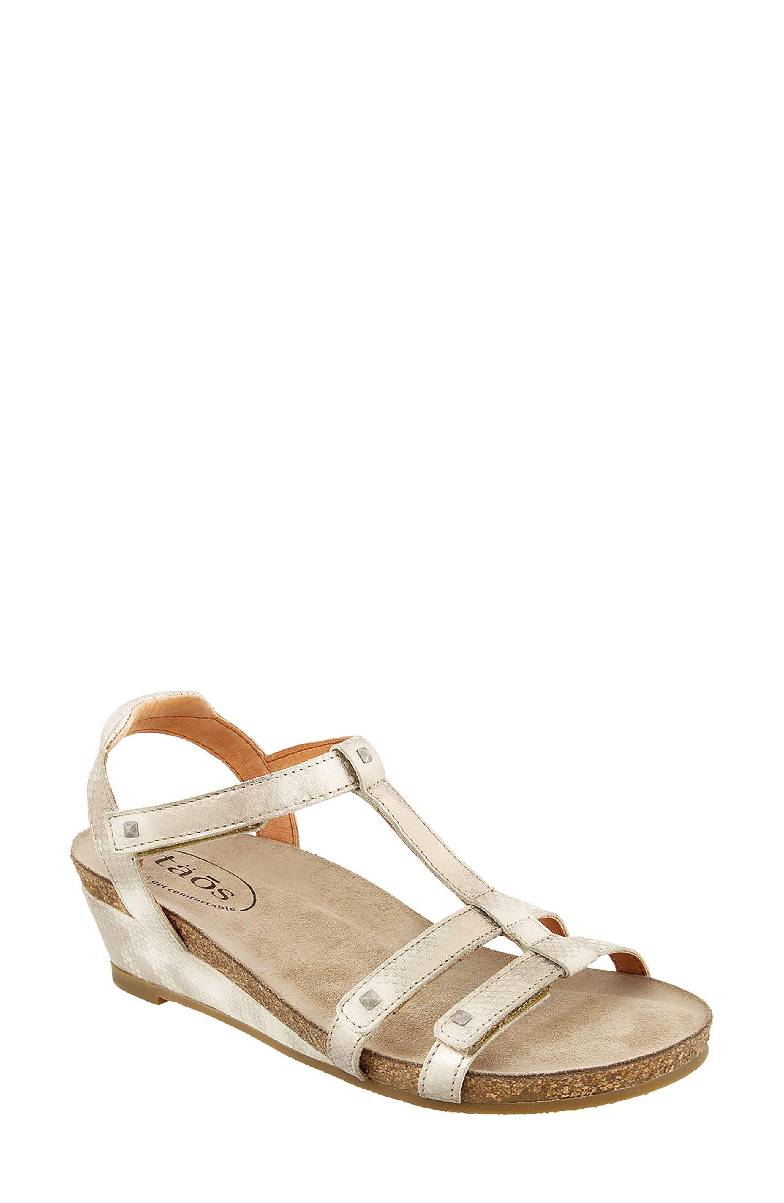 Wanderer Sandal,                         Main,                         color, Silver Leather