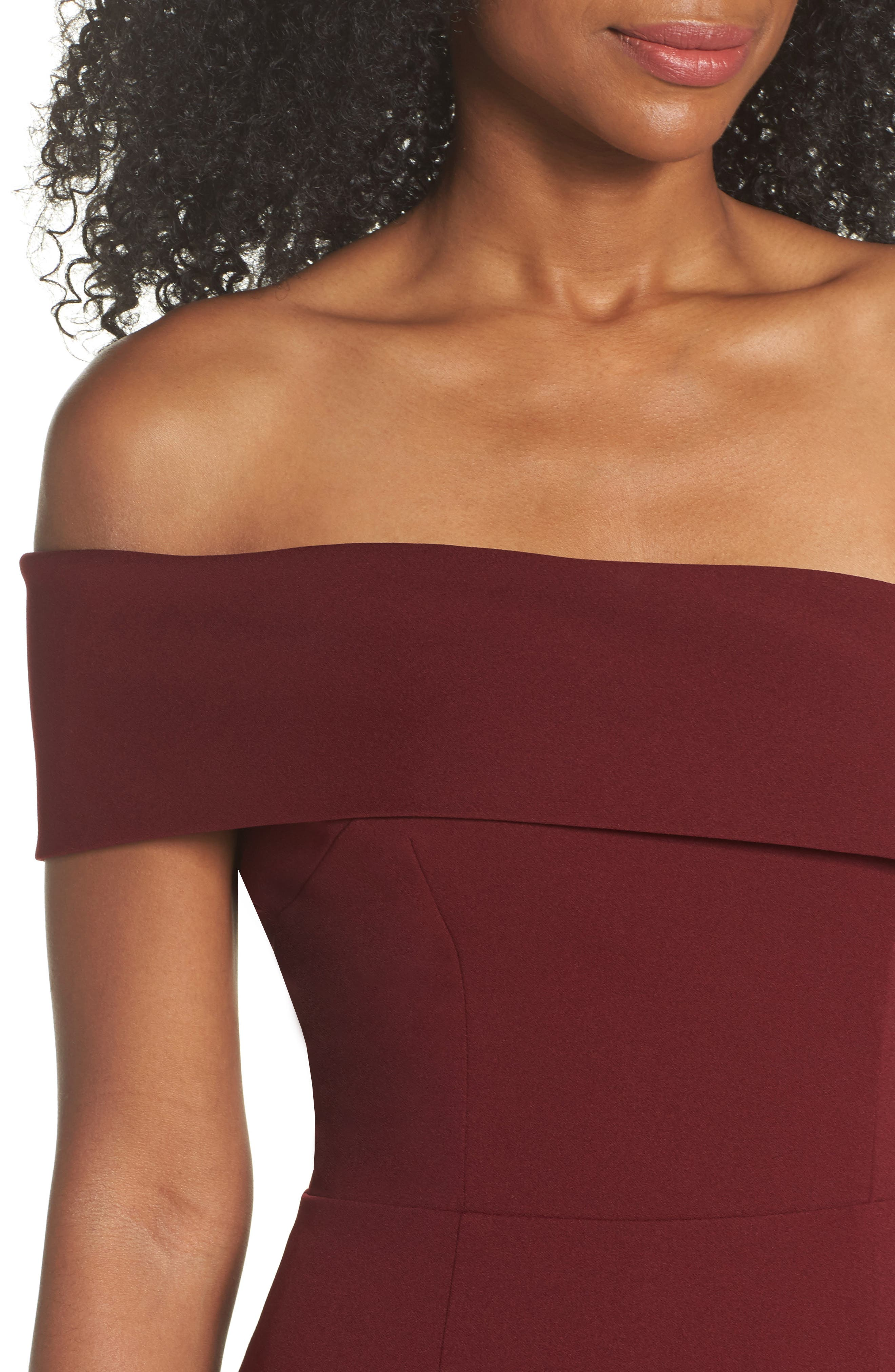 Titan One-Shoulder Cutout Crepe Gown,                             Alternate thumbnail 4, color,                             Bordeaux