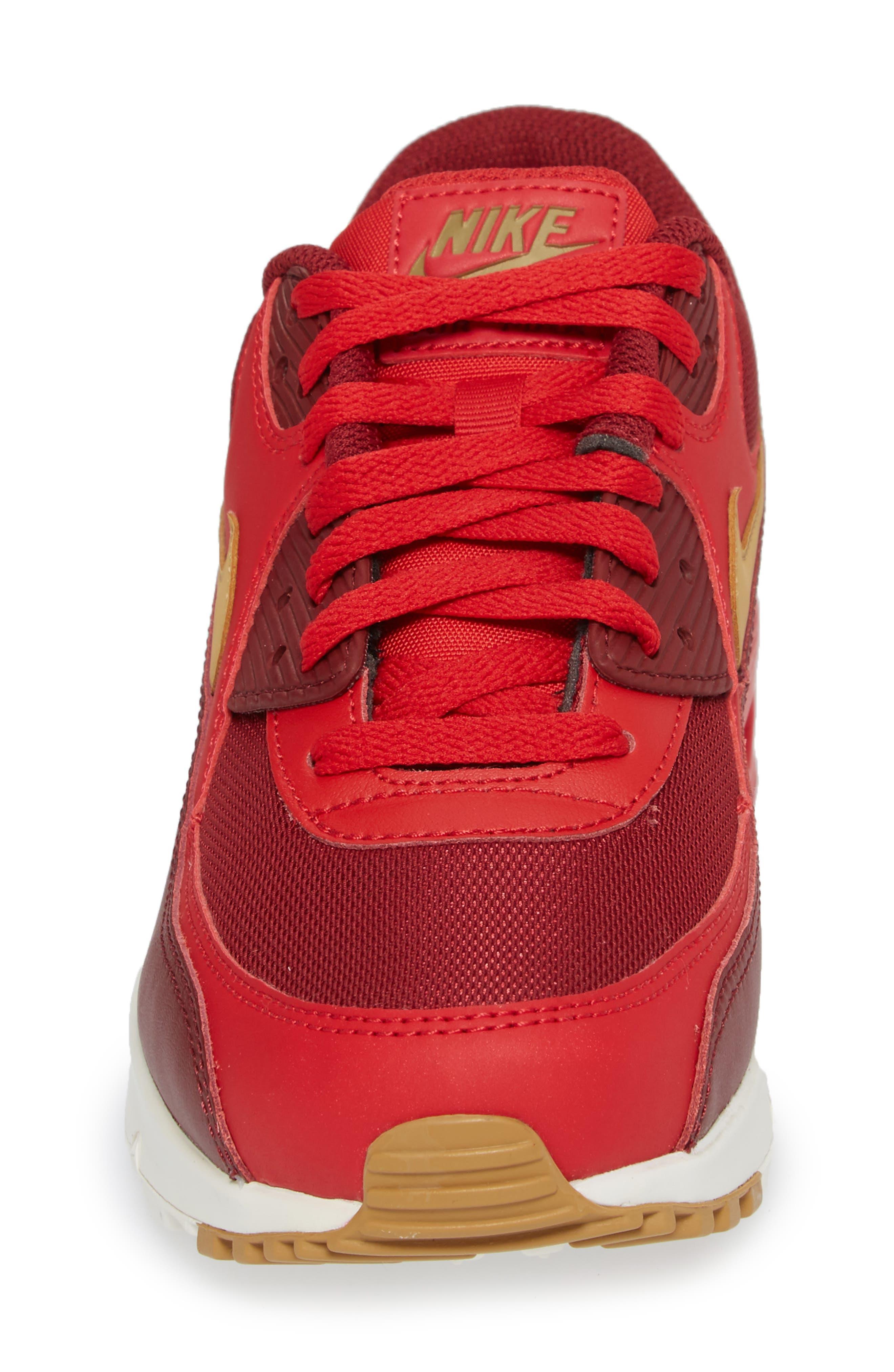 Alternate Image 4  - Nike 'Air Max 90 Essential' Sneaker (Men)