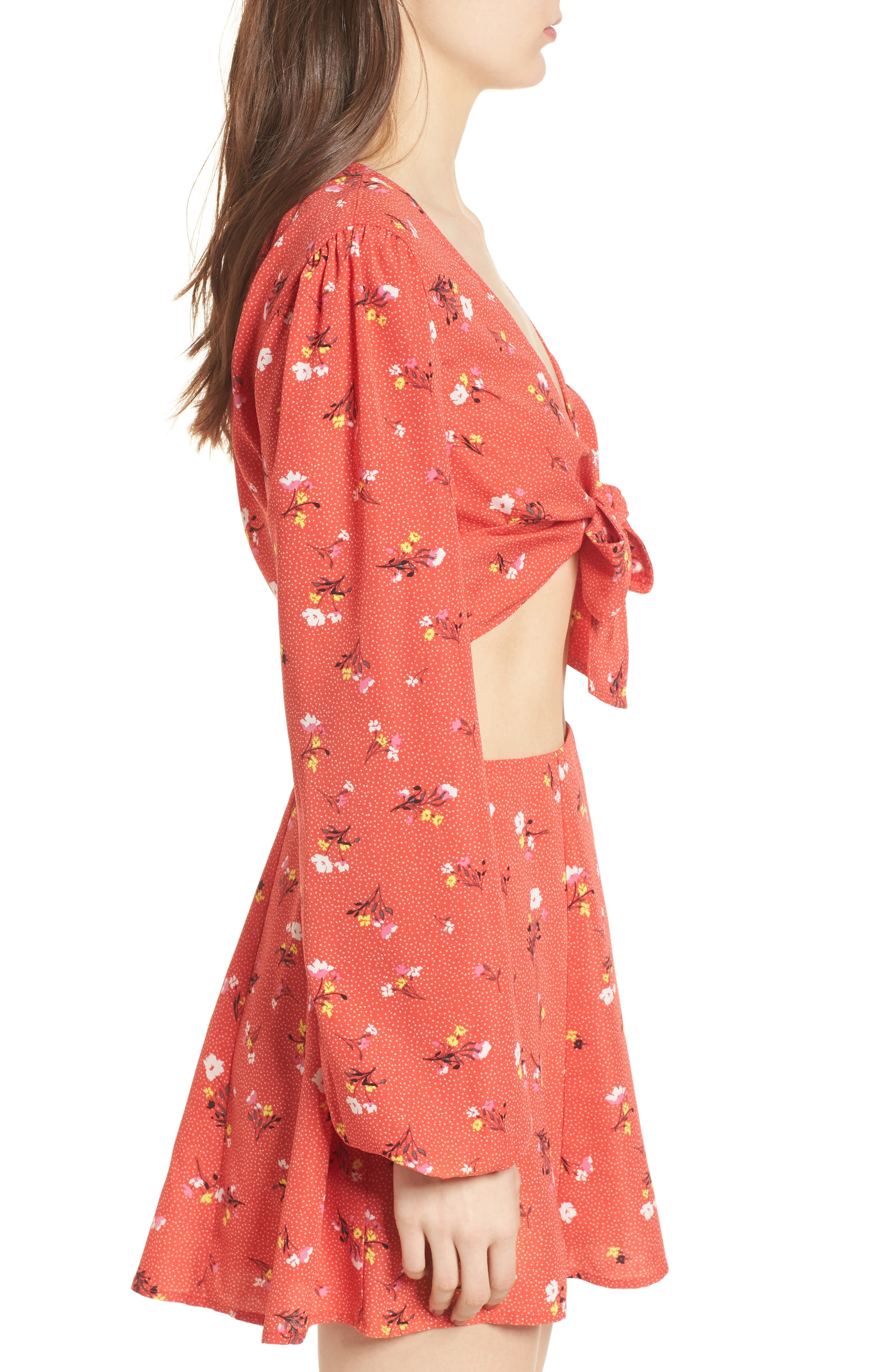 Tie Front Crop Top,                             Alternate thumbnail 3, color,                             Red Dot Floral