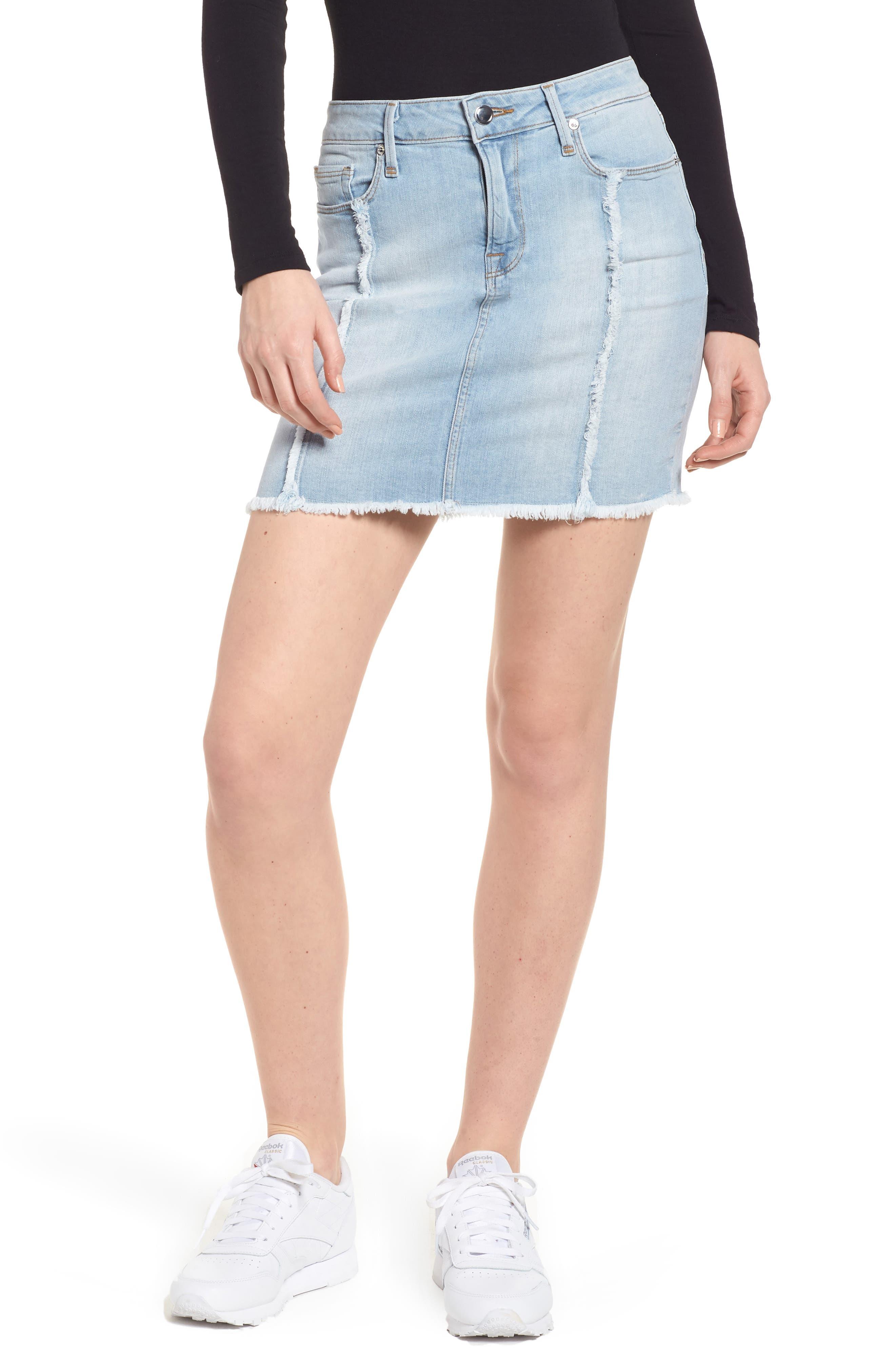Good American The Mini Distressed Seams Denim Miniskirt (Blue 136) (Regular & Plus Size)