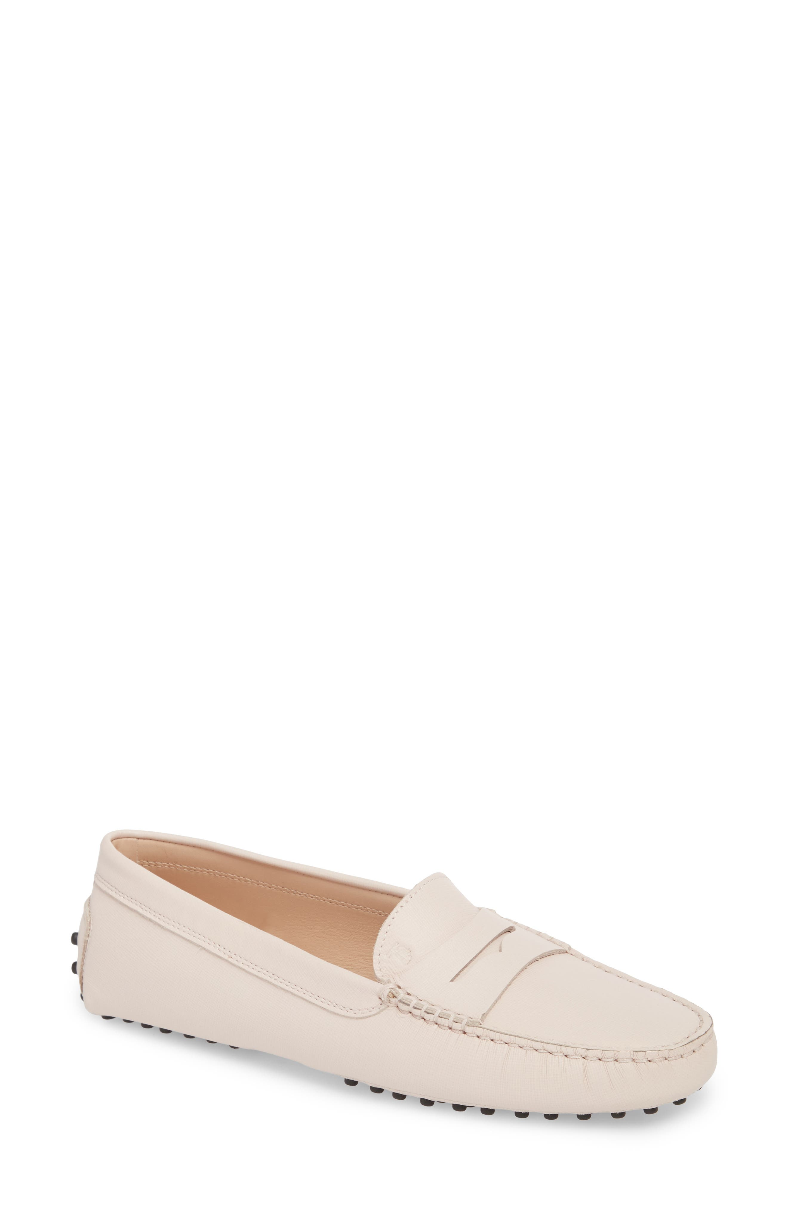 Gommino Grained-Leather Loafers in Light Pink