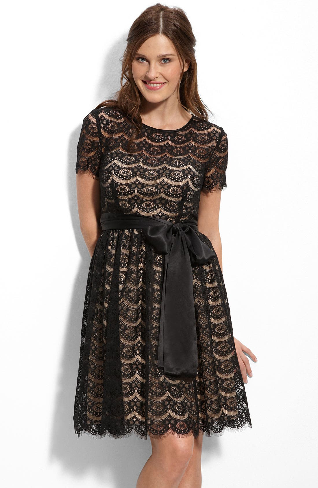 Main Image - Donna Morgan Back Zip Lace Dress