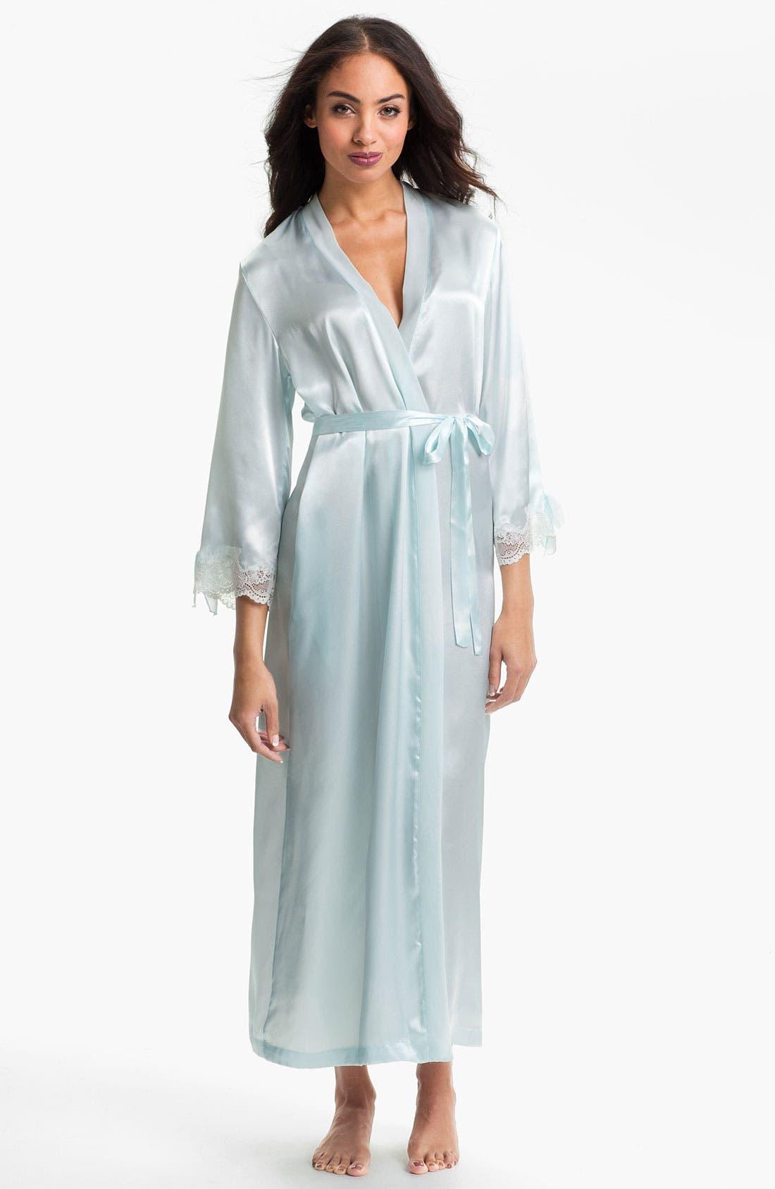 Main Image - Oscar de la Renta Sleepwear Lace Trim Charmeuse Robe