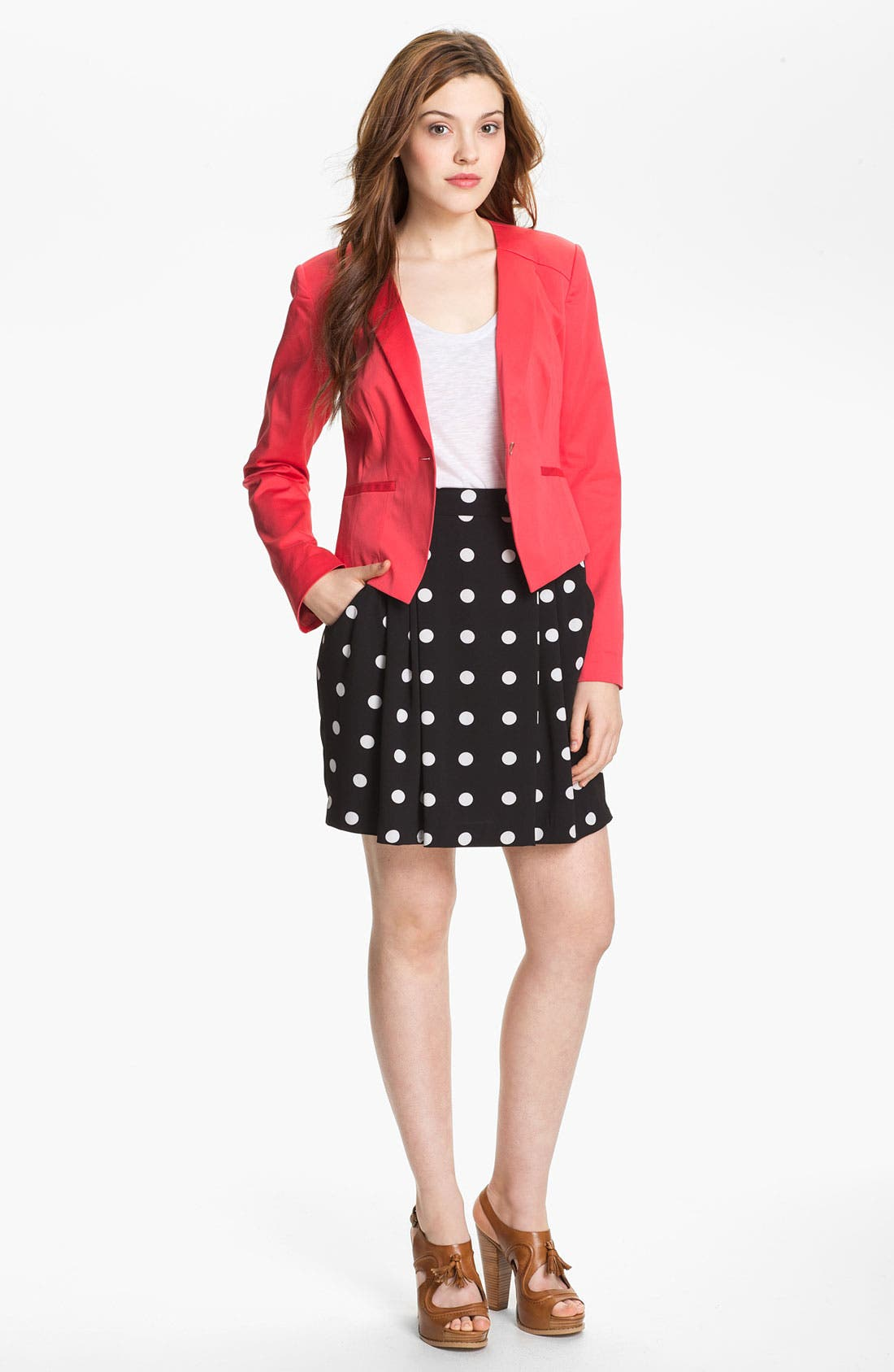 Alternate Image 1 Selected - Halogen® Three Quarter Roll Sleeve Blazer (Petite)