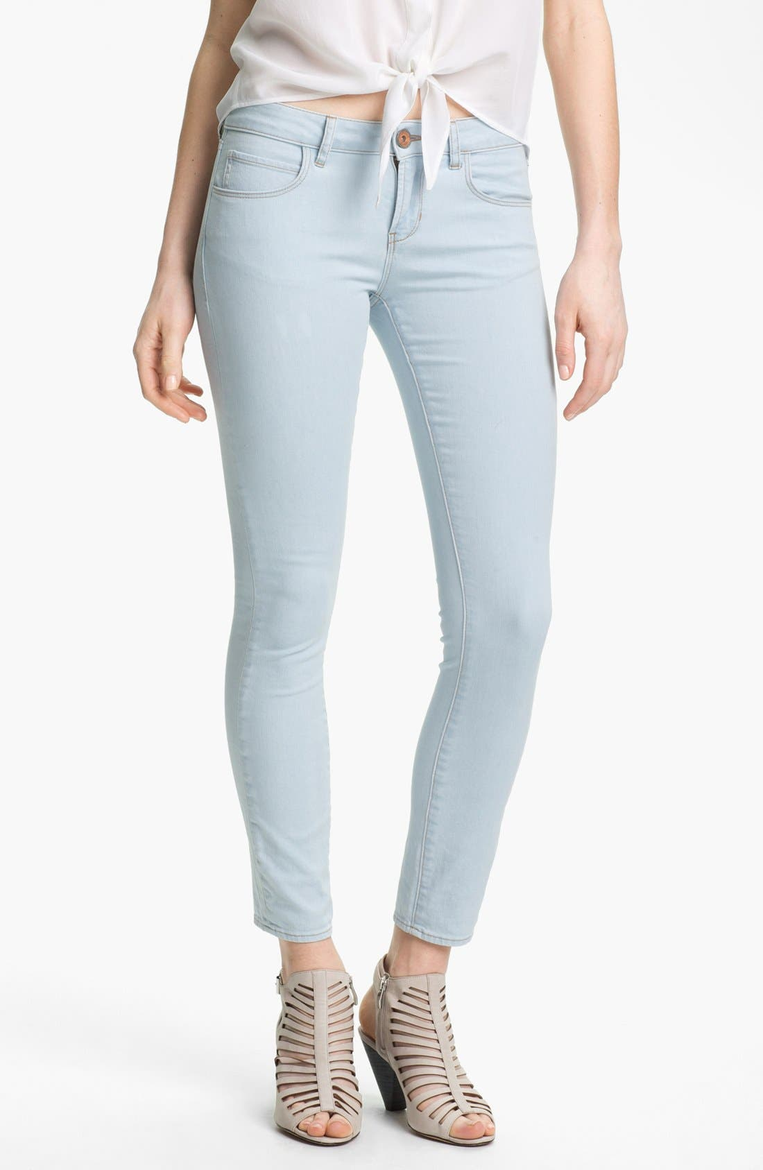 Main Image - Two by Vince Camuto Skinny Jeans (Pale Blue)