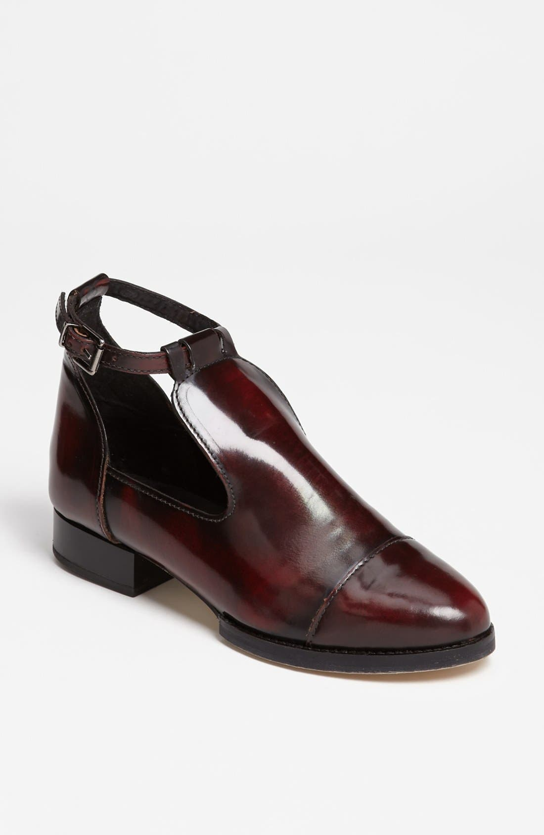 Alternate Image 1 Selected - Topshop 'Katz' Shoe