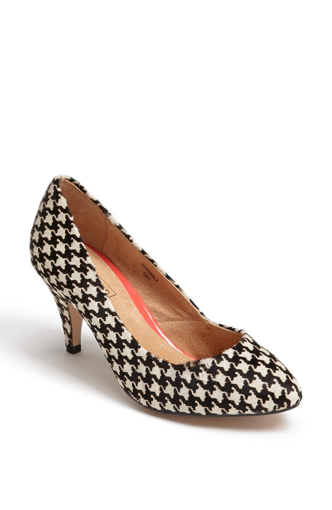Main Image - Topshop 'Maple' Pump
