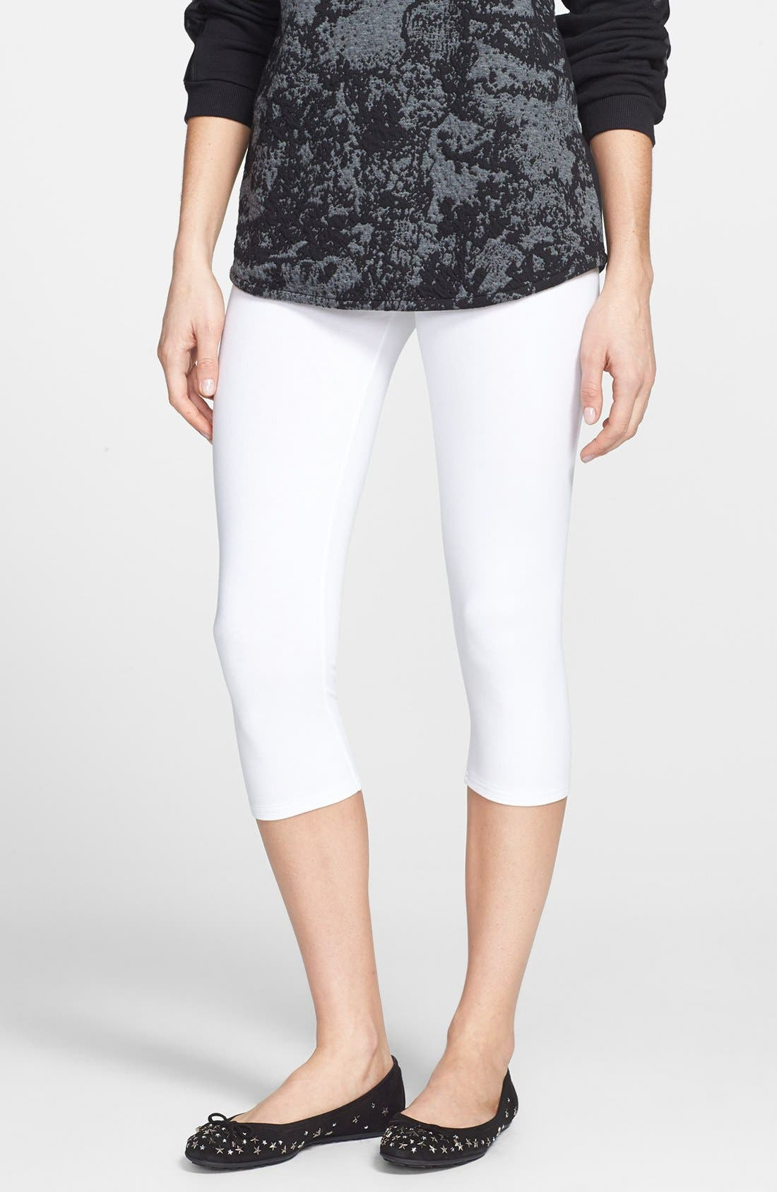 Alternate Image 1 Selected - Nordstrom 'Go To' Capri Leggings