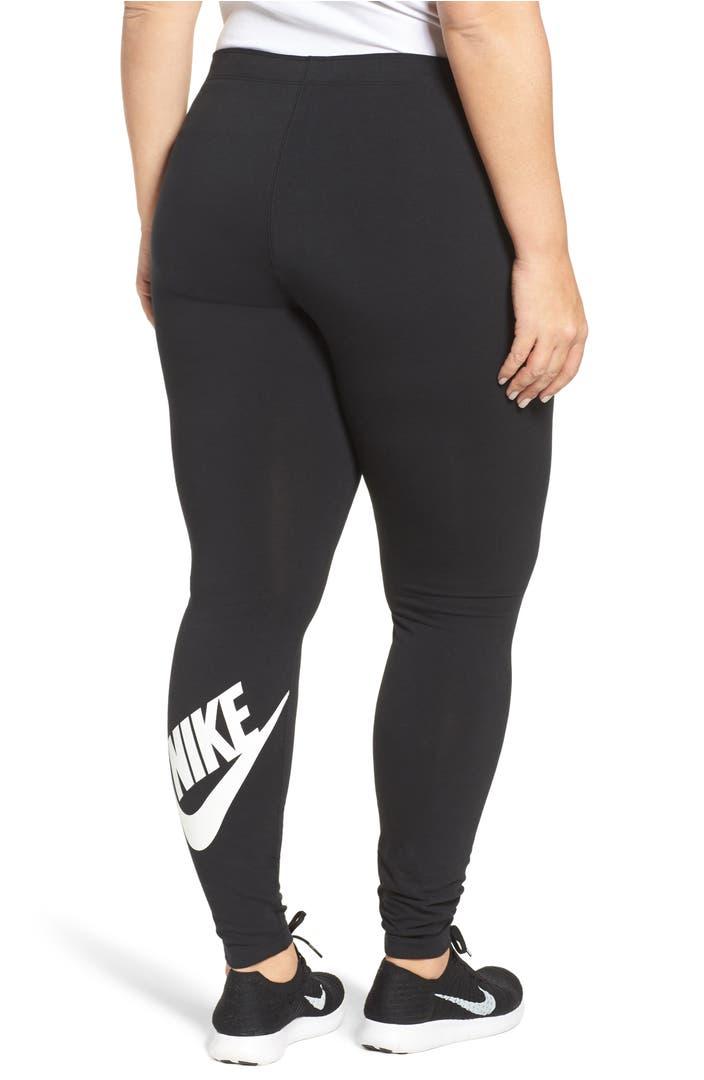 how to wear leggings plus size