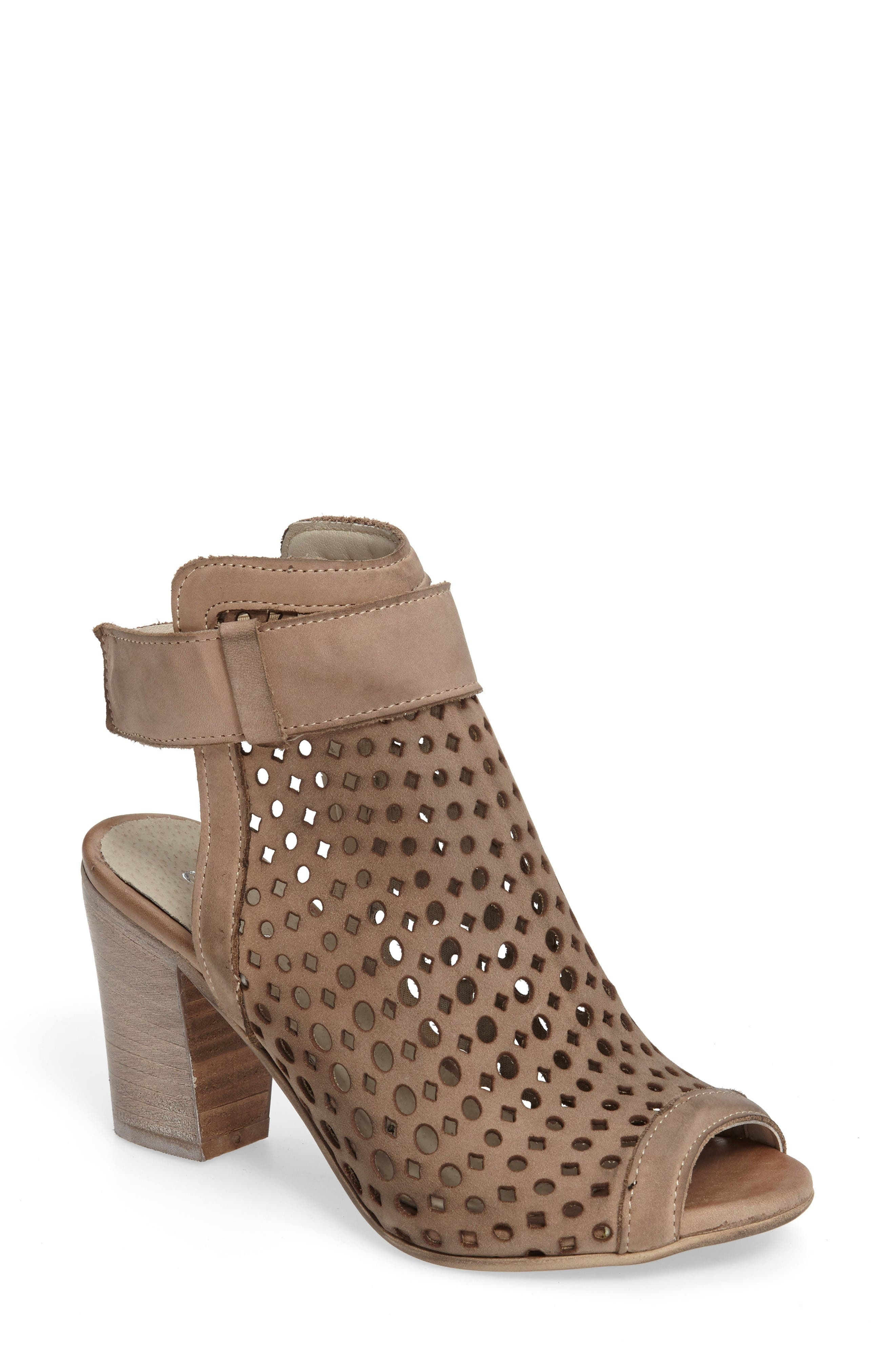 Chocolat Blu Cameron Block Heel Sandal (Women)