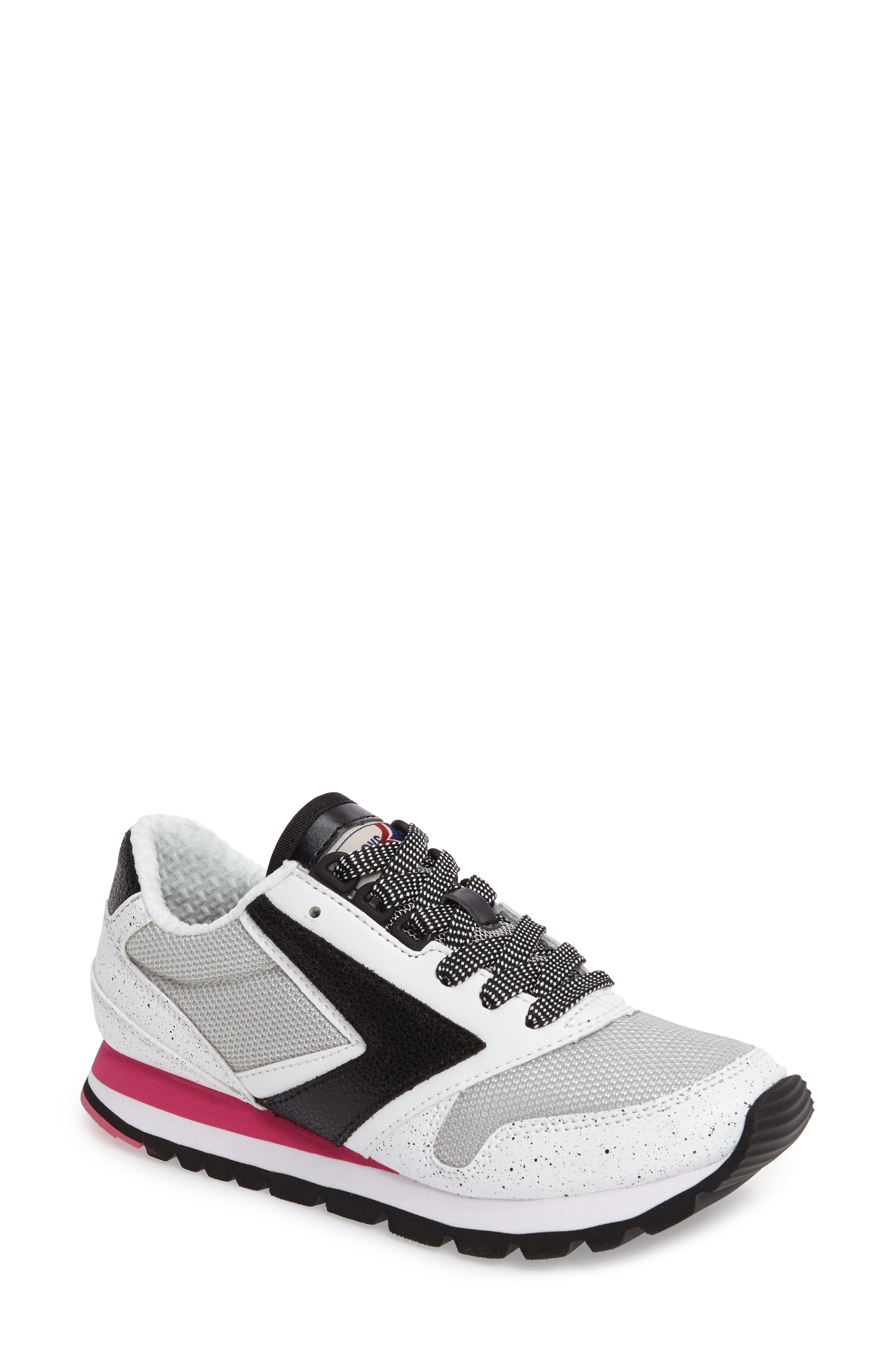 Brooks 'Chariot' Sneaker (Women)