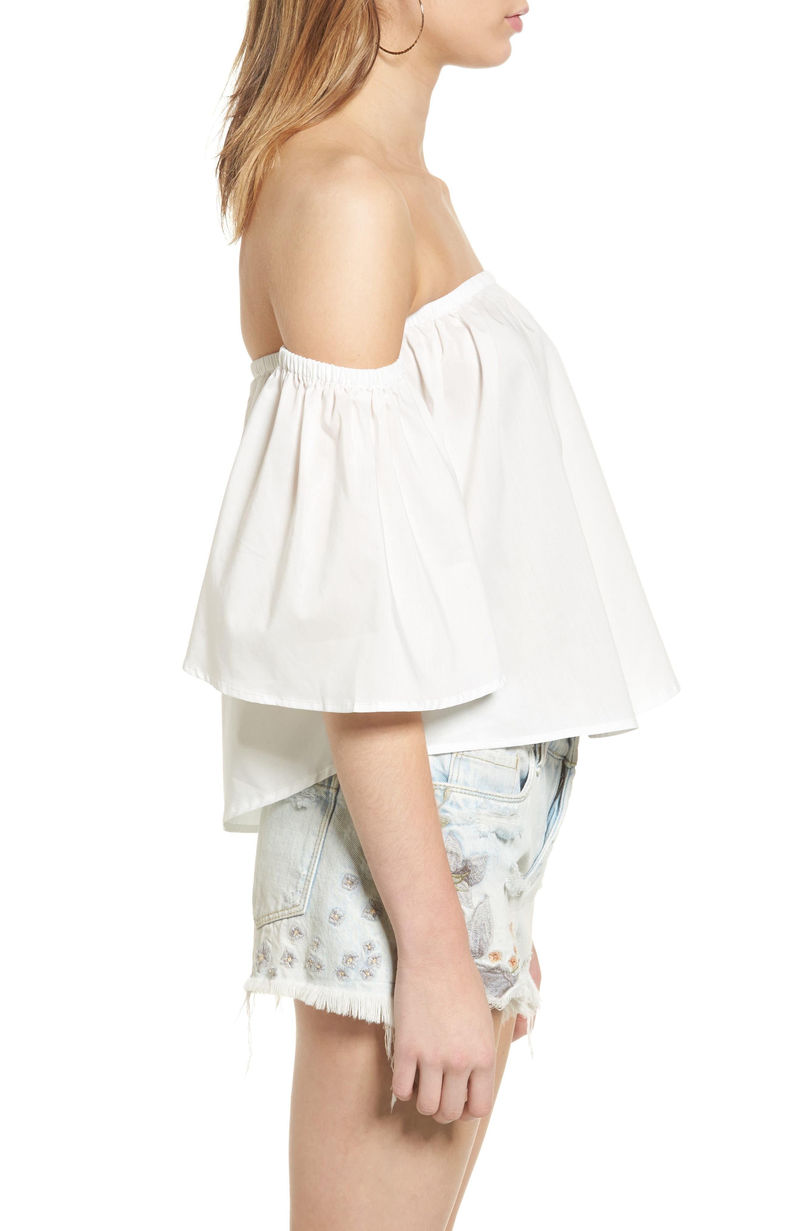Alternate Image 3  - Elodie Off the Shoulder Flutter Crop Top
