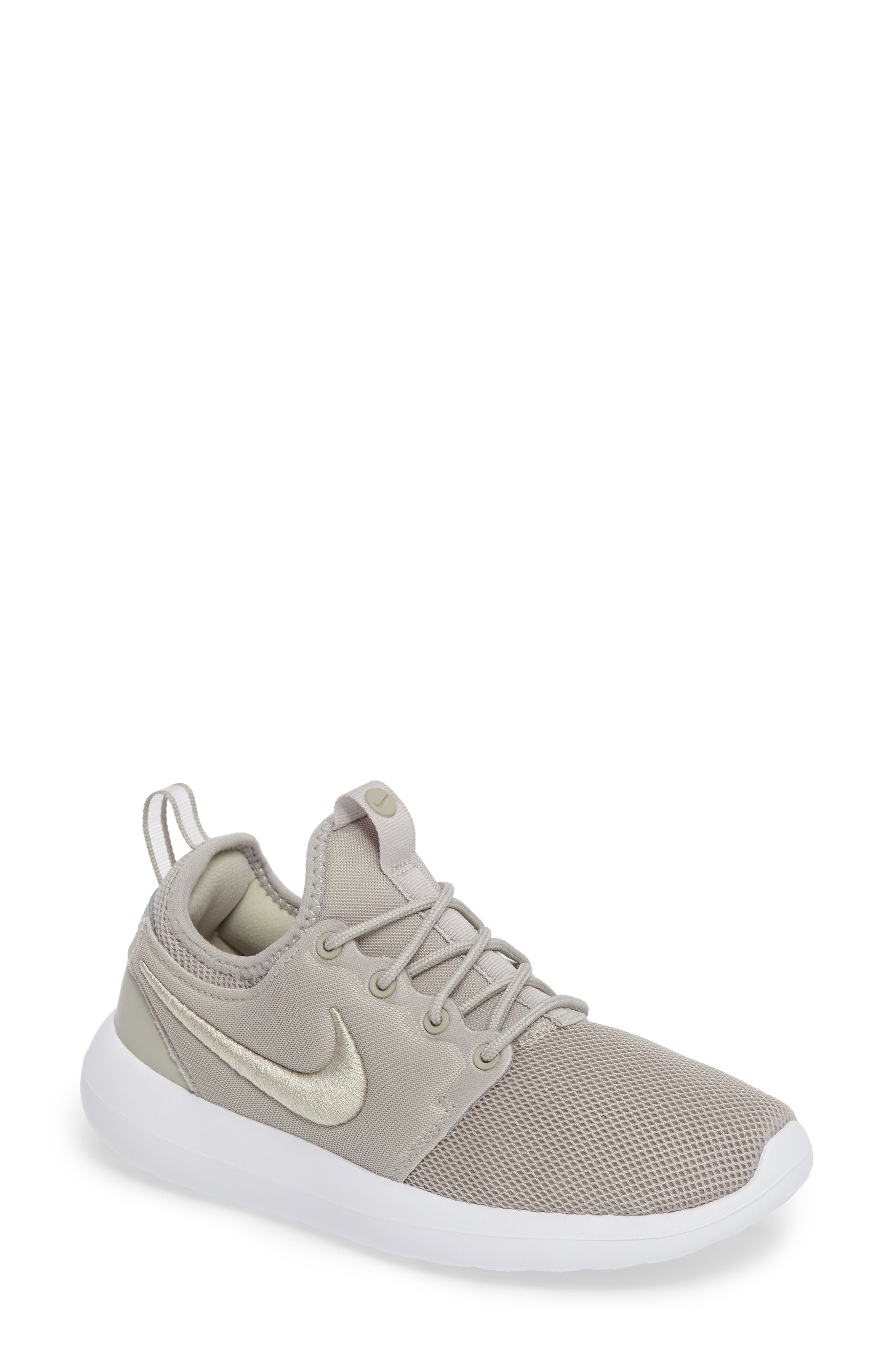 Nike Roshe Two Breathe Sneaker (Women)