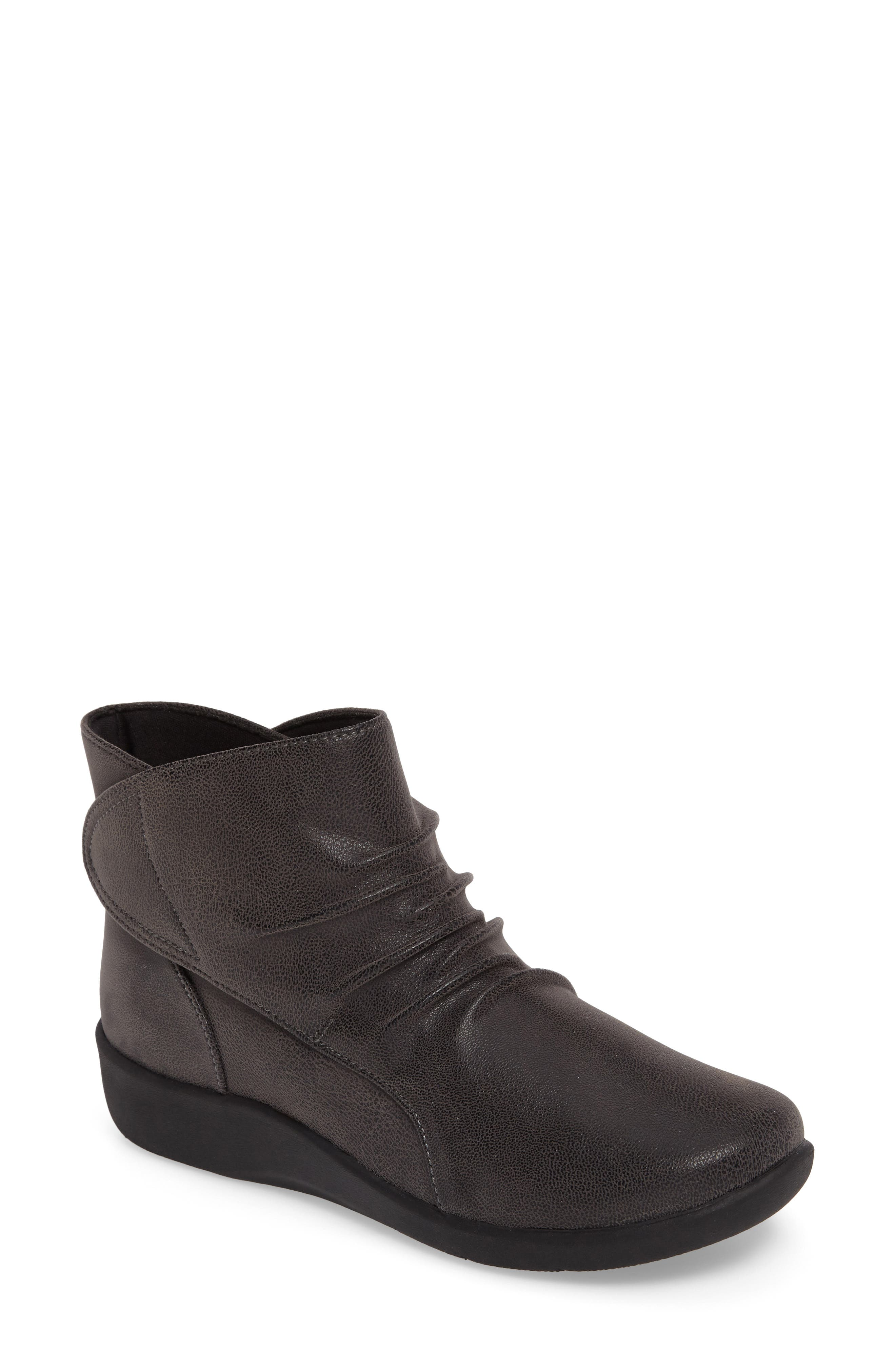 Alternate Image 1 Selected - Clarks® Sillian Sway Boot (Women)