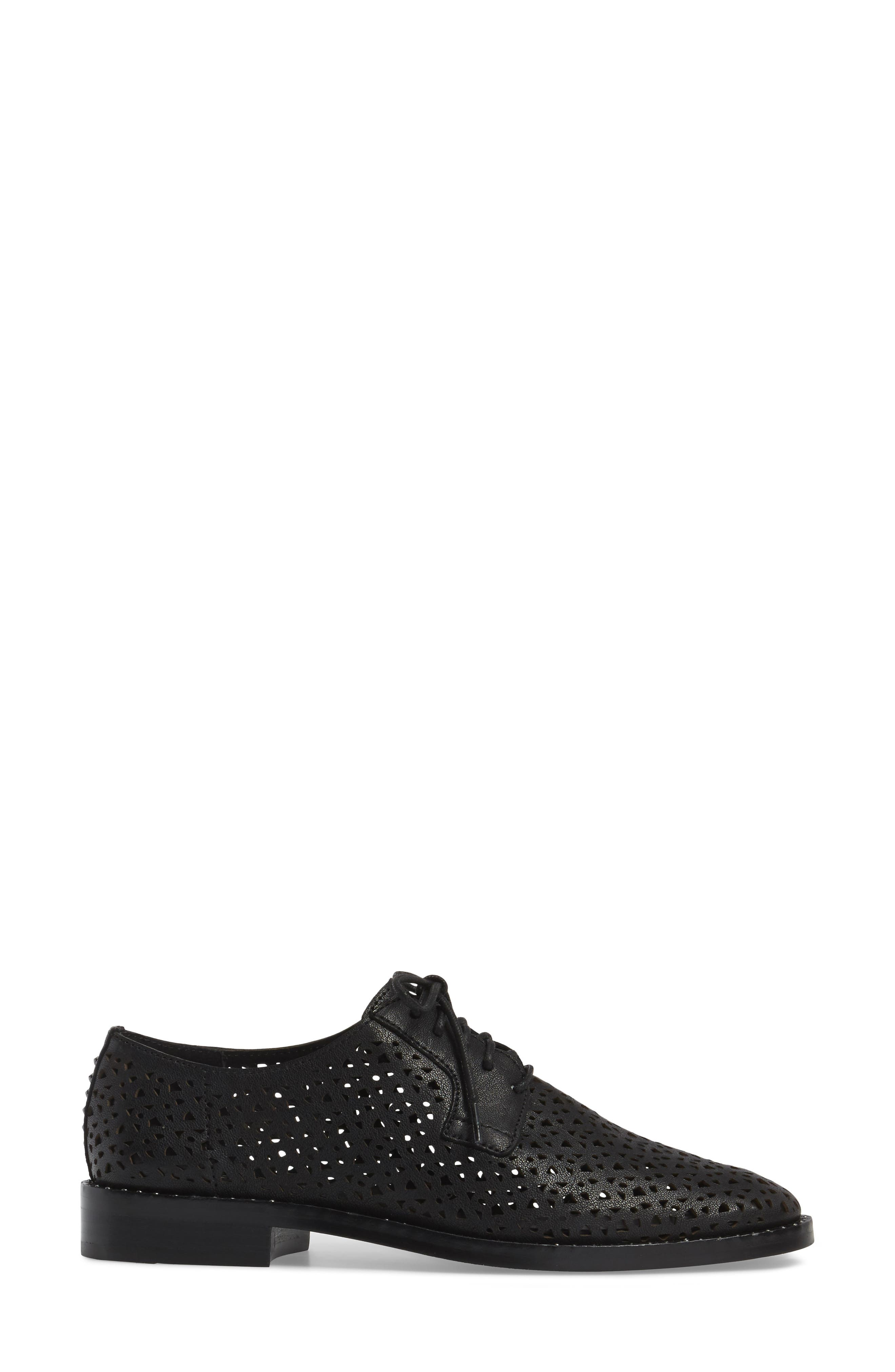 Alternate Image 3  - Vince Camuto Lesta Geo Perforated Oxford (Women)