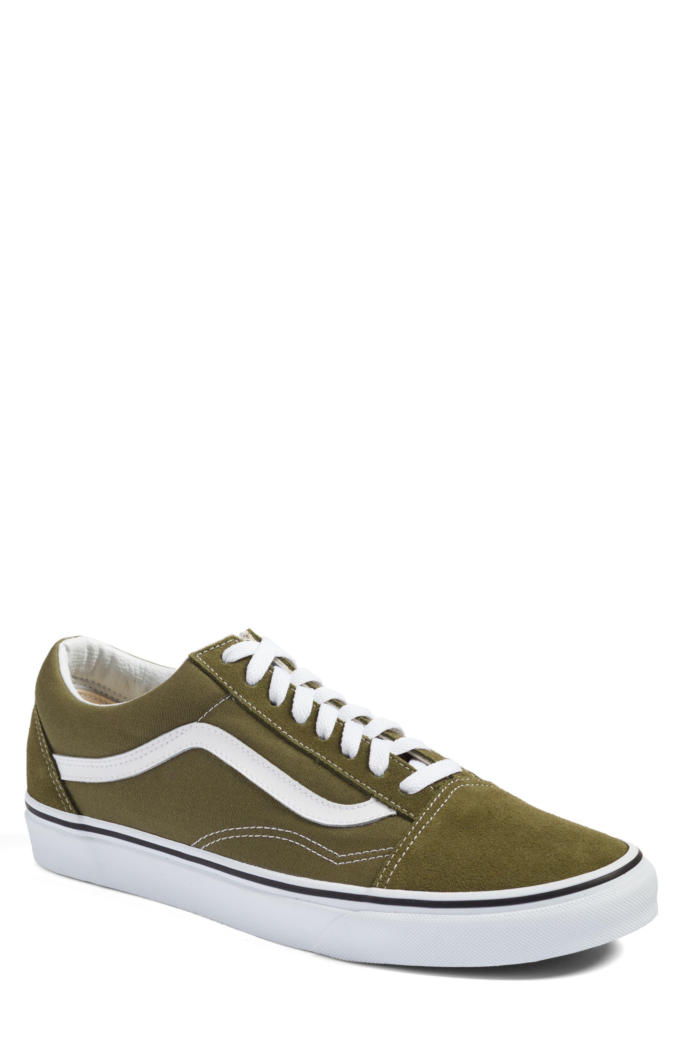 Vans 'Old Skool' Sneaker (Men)