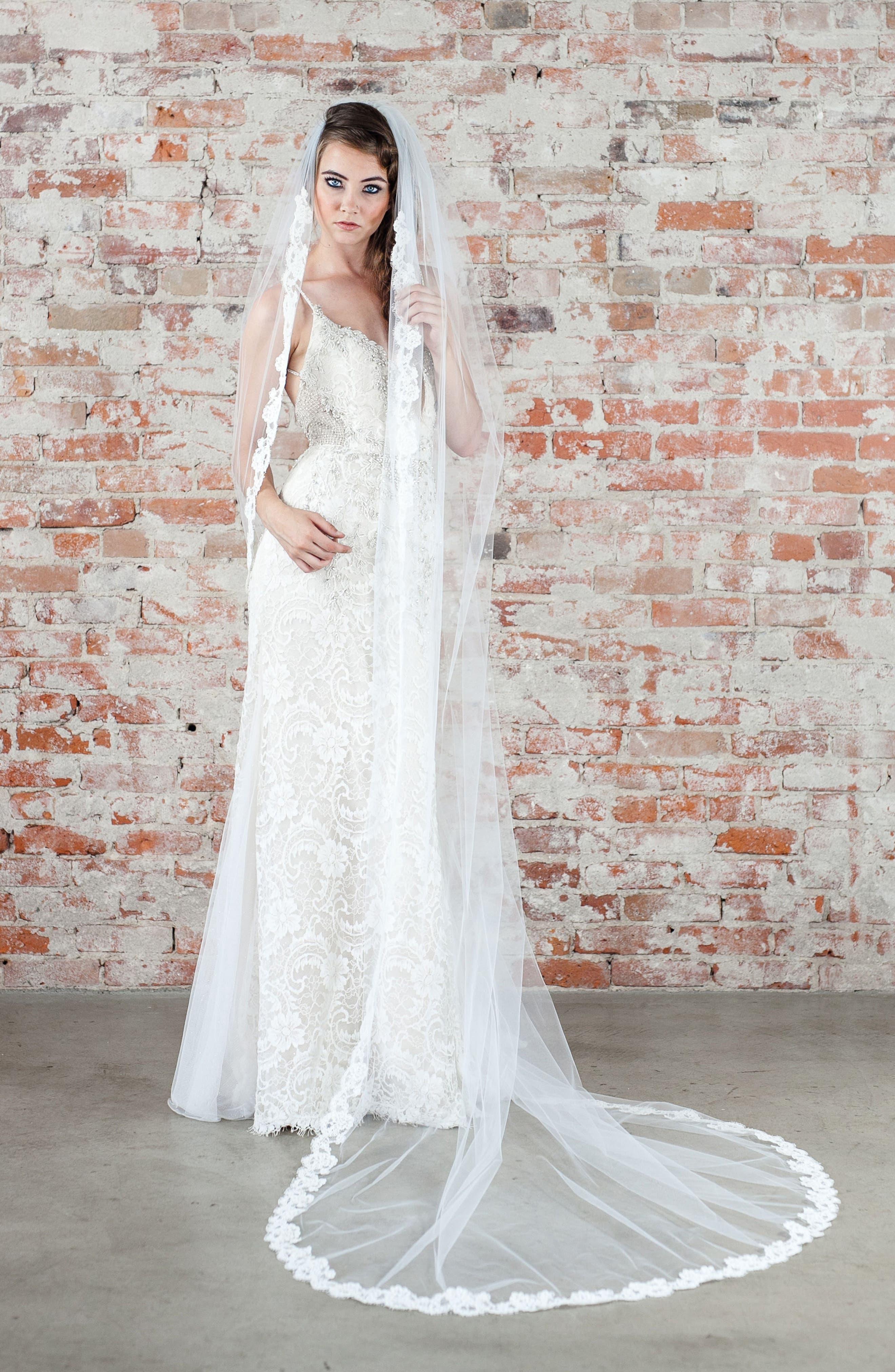 Veil Trends Carnation Bridal Veil