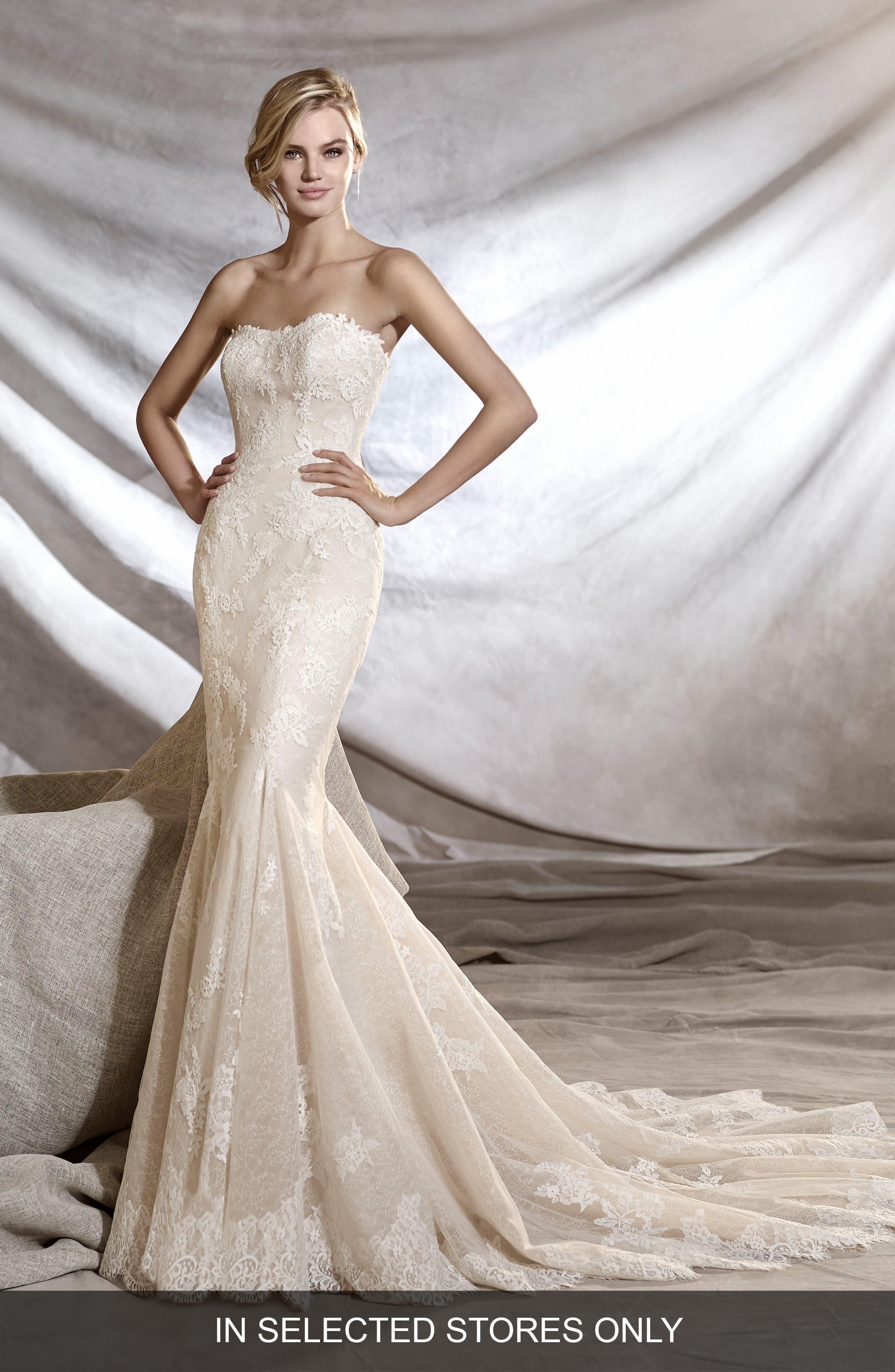Main Image - Pronovias Orinoco Strapless Tulle & Lace Mermaid Gown