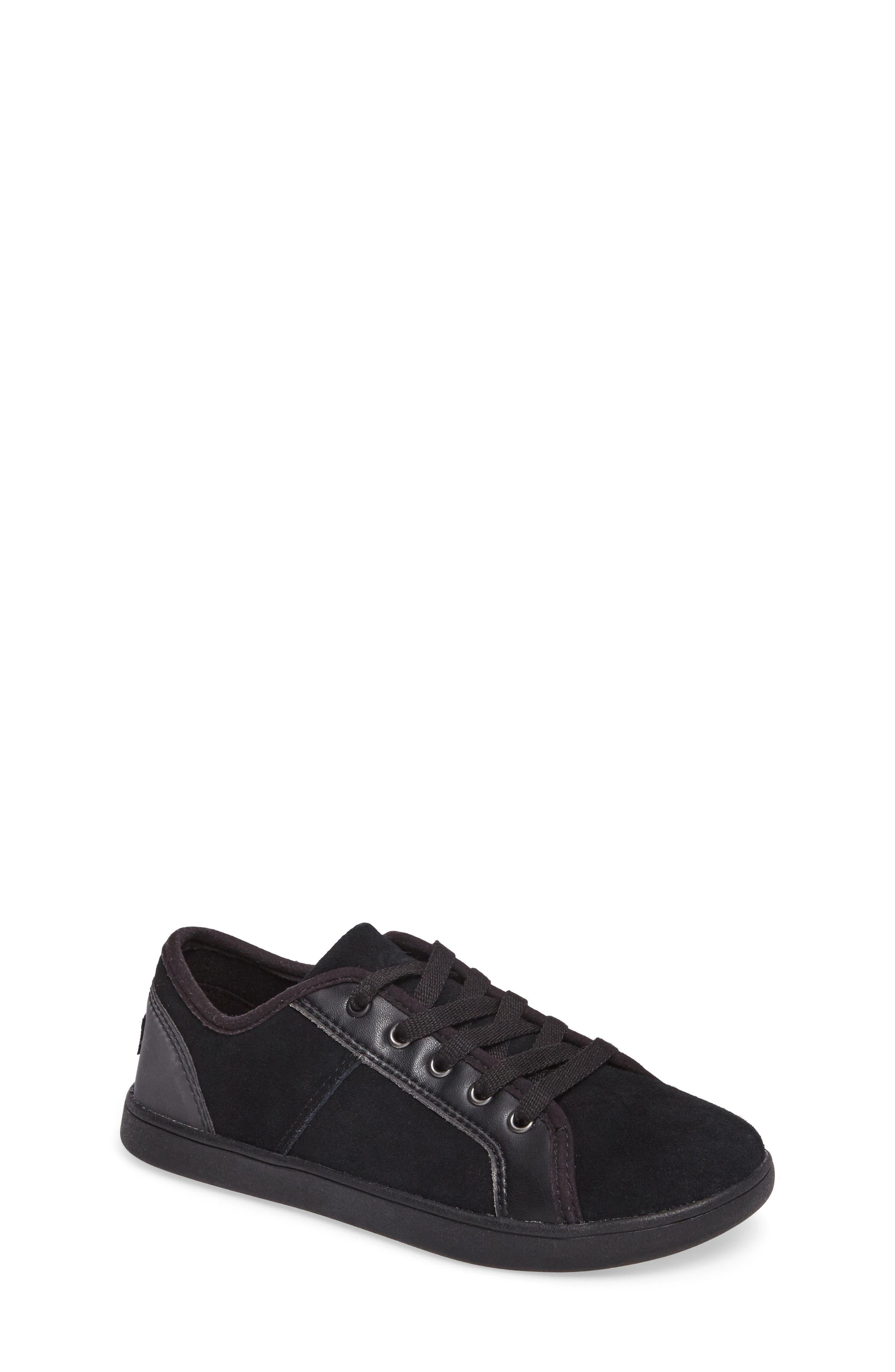 UGG® Irvin Low Top Sneaker (Little Kid & Big Kid)