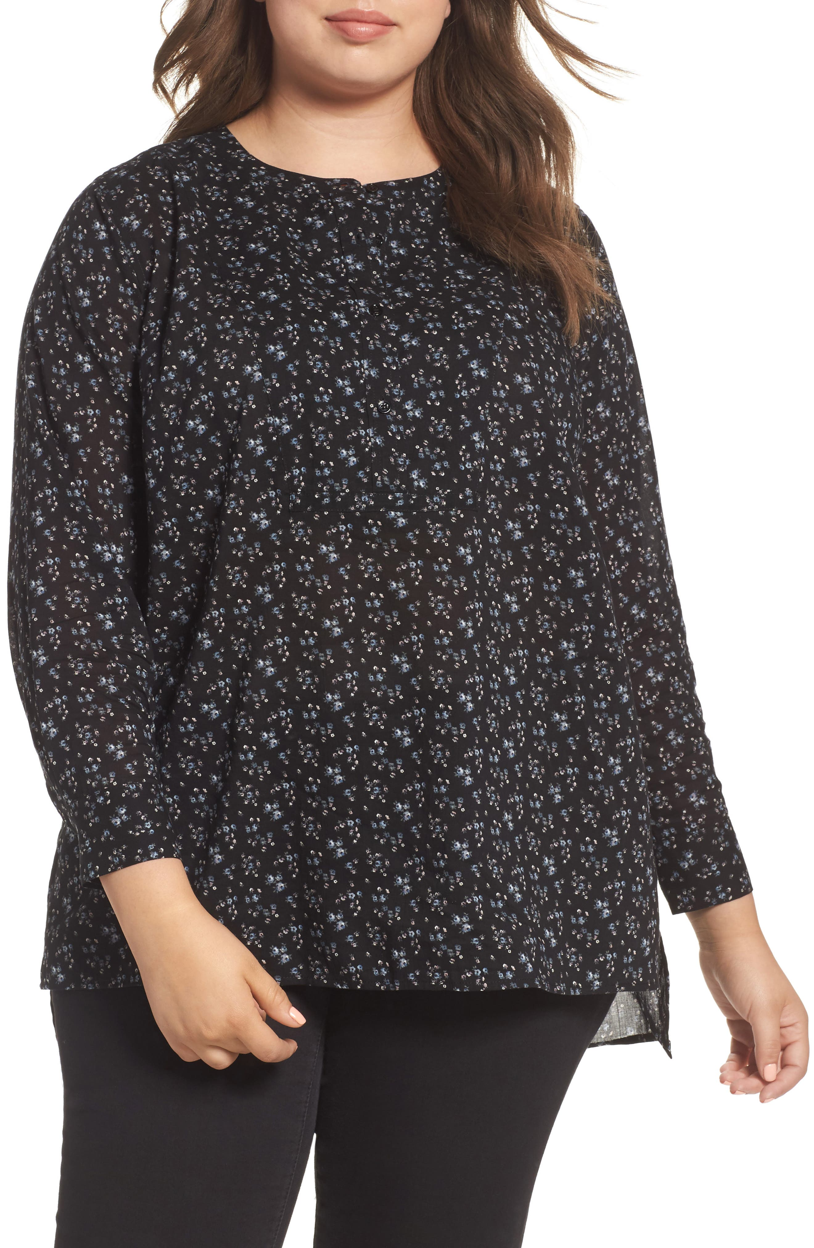 Two by Vince Camuto Mini Bouquet Henley Tunic Top (Plus Size)