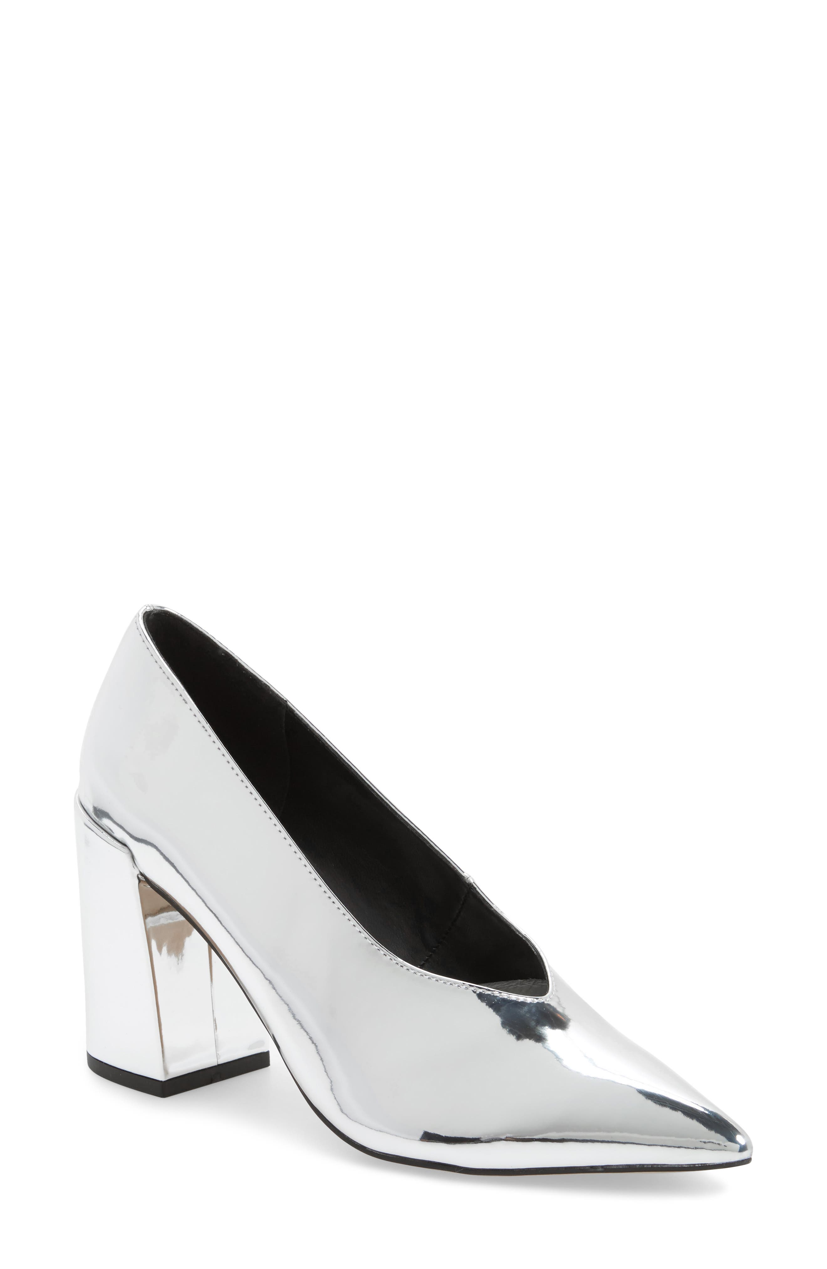 Alternate Image 1 Selected - Topshop Greatal Pointy Toe Pump (Women)