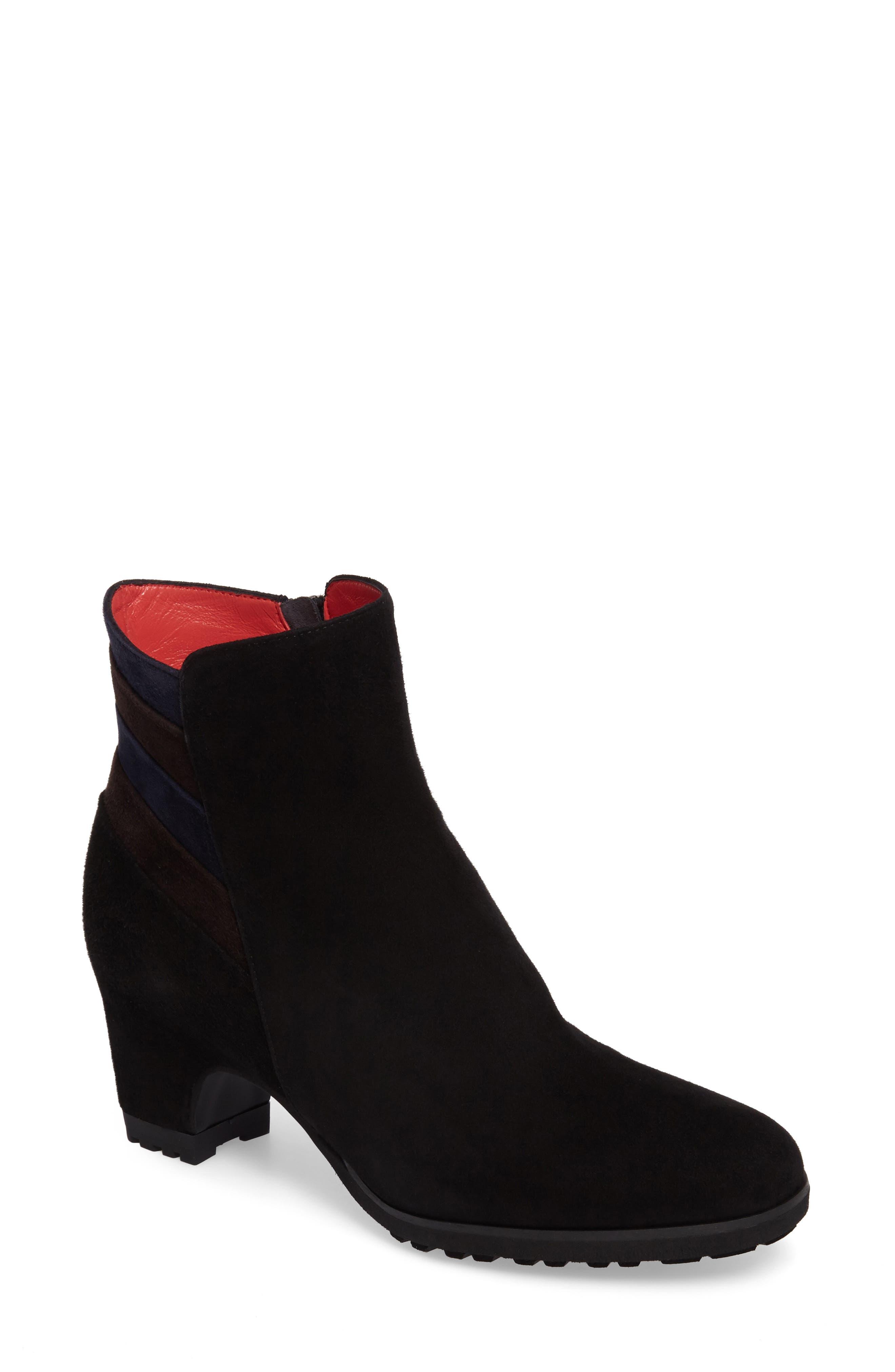 Pas de Rouge Block Heel Bootie (Women)