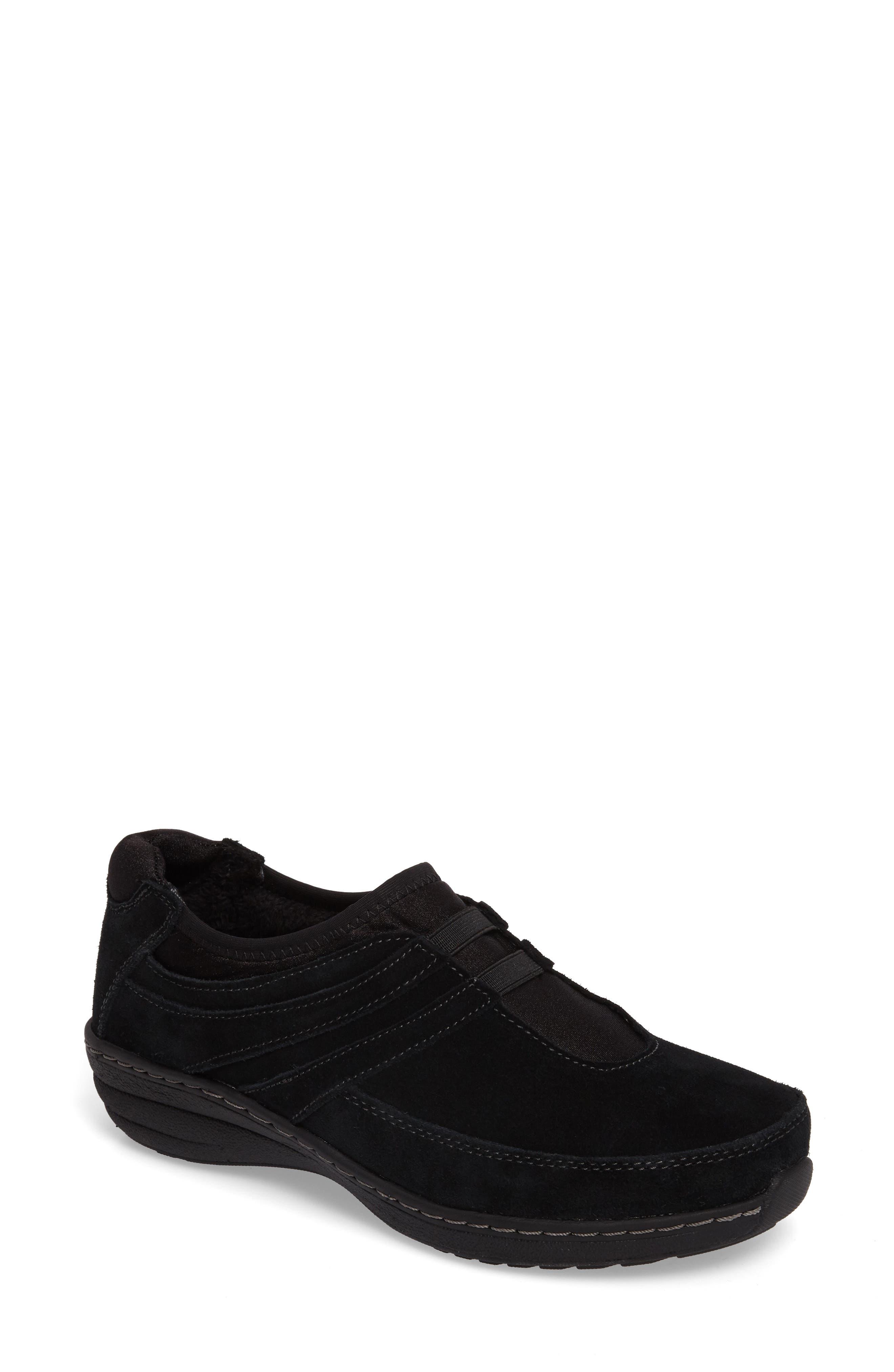 Main Image - Aetrex Berries Slip-On Sneaker (Women)
