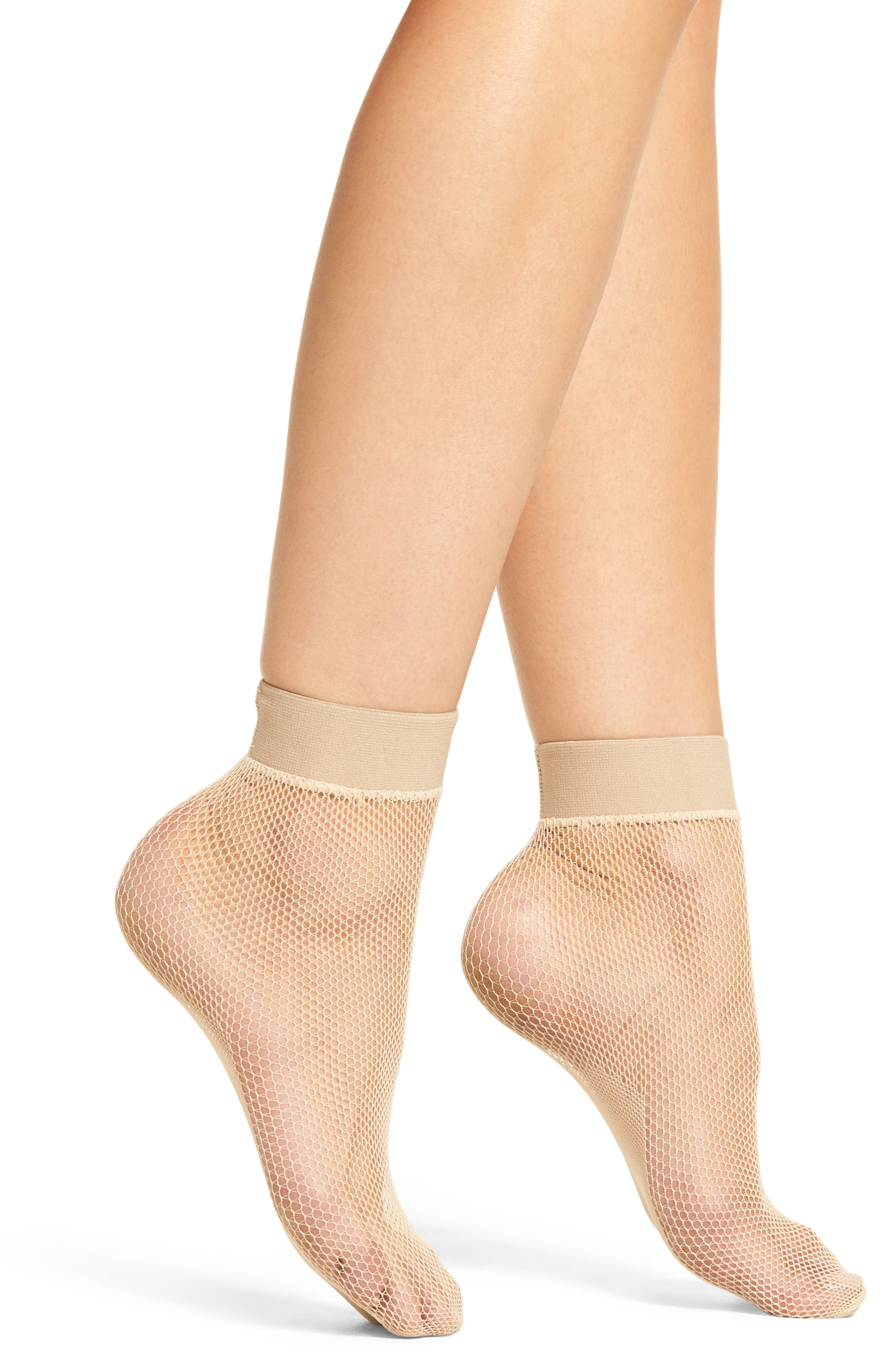 Main Image - Hue Fishnet Ankle Socks