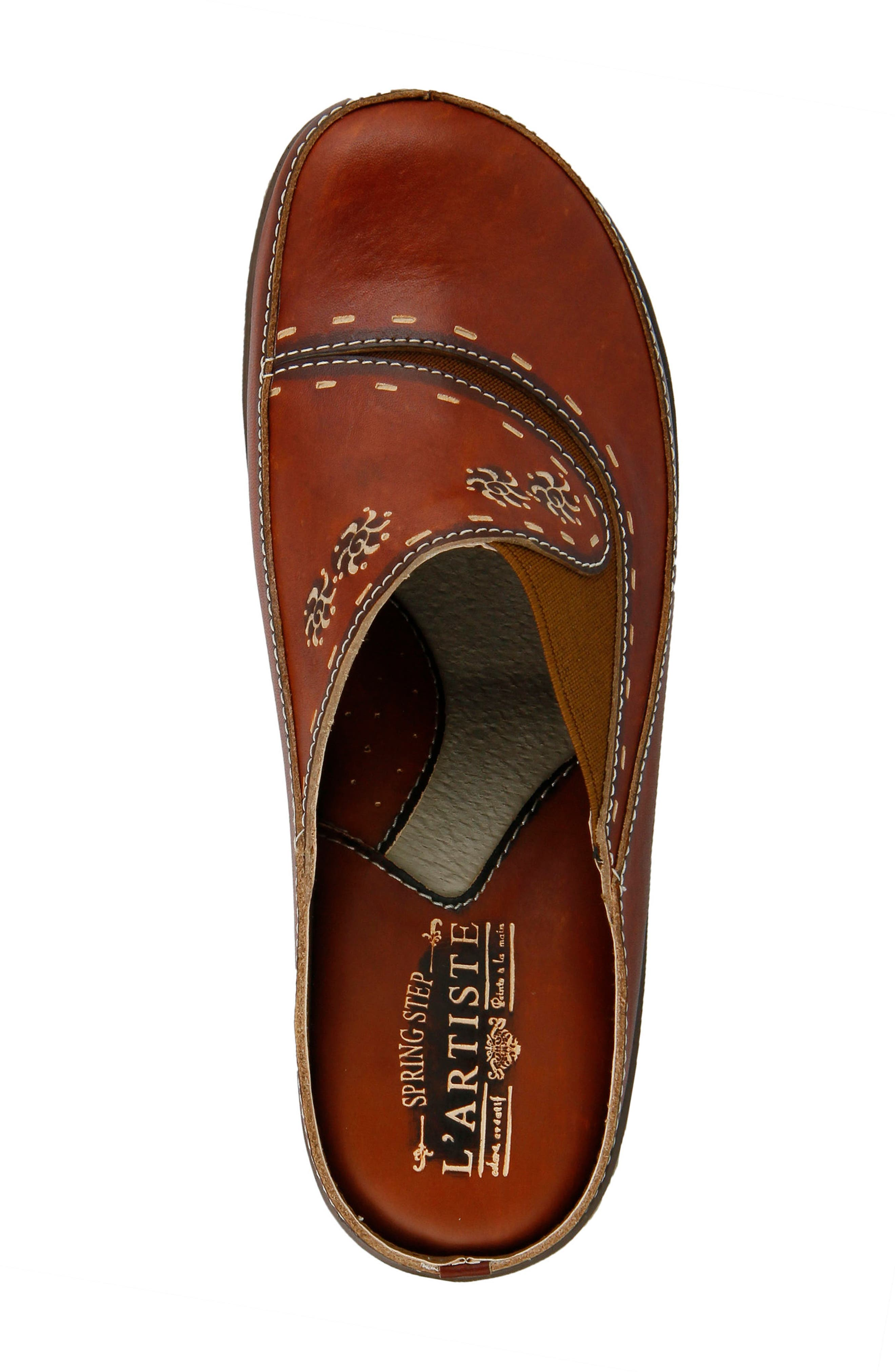L'Artiste Chino Clog,                             Alternate thumbnail 5, color,                             Camel Leather