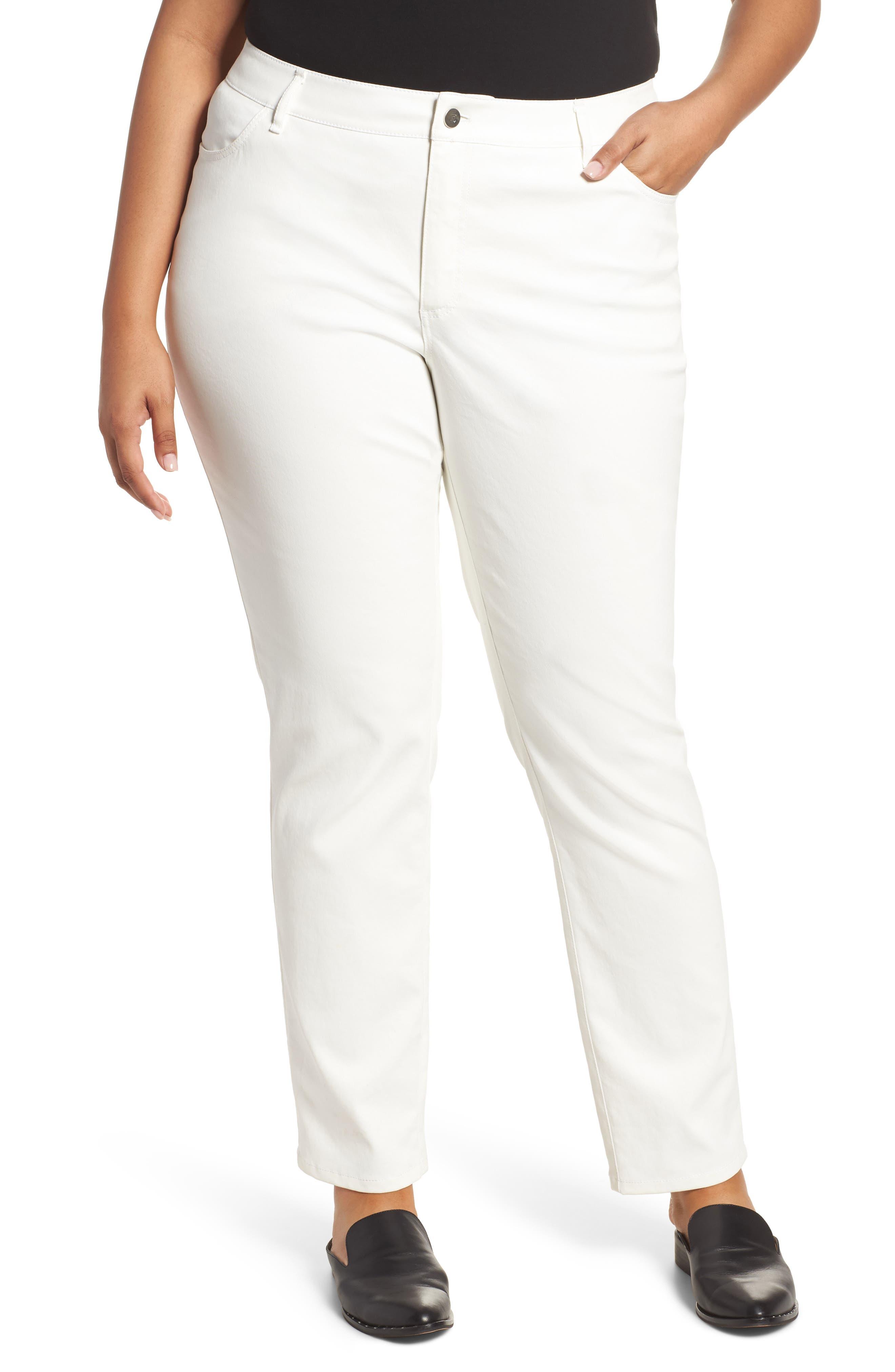 Lafayette 148 New York Curvy Fit Slim Leg Jeans (Plus Size)
