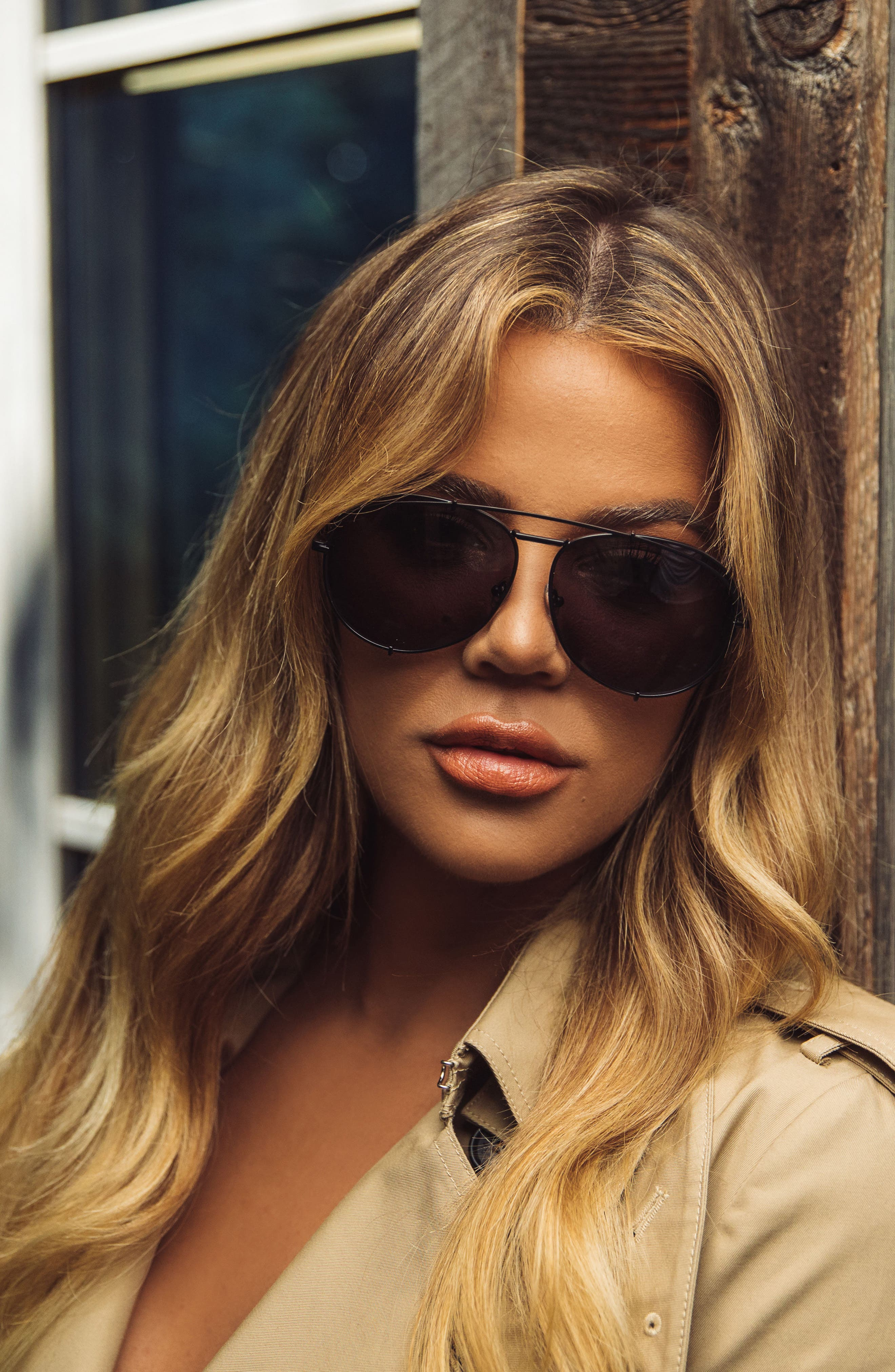 x Khloé Koko 63mm Oversize Aviator Sunglasses,                             Alternate thumbnail 5, color,                             Matte Black/ Grey