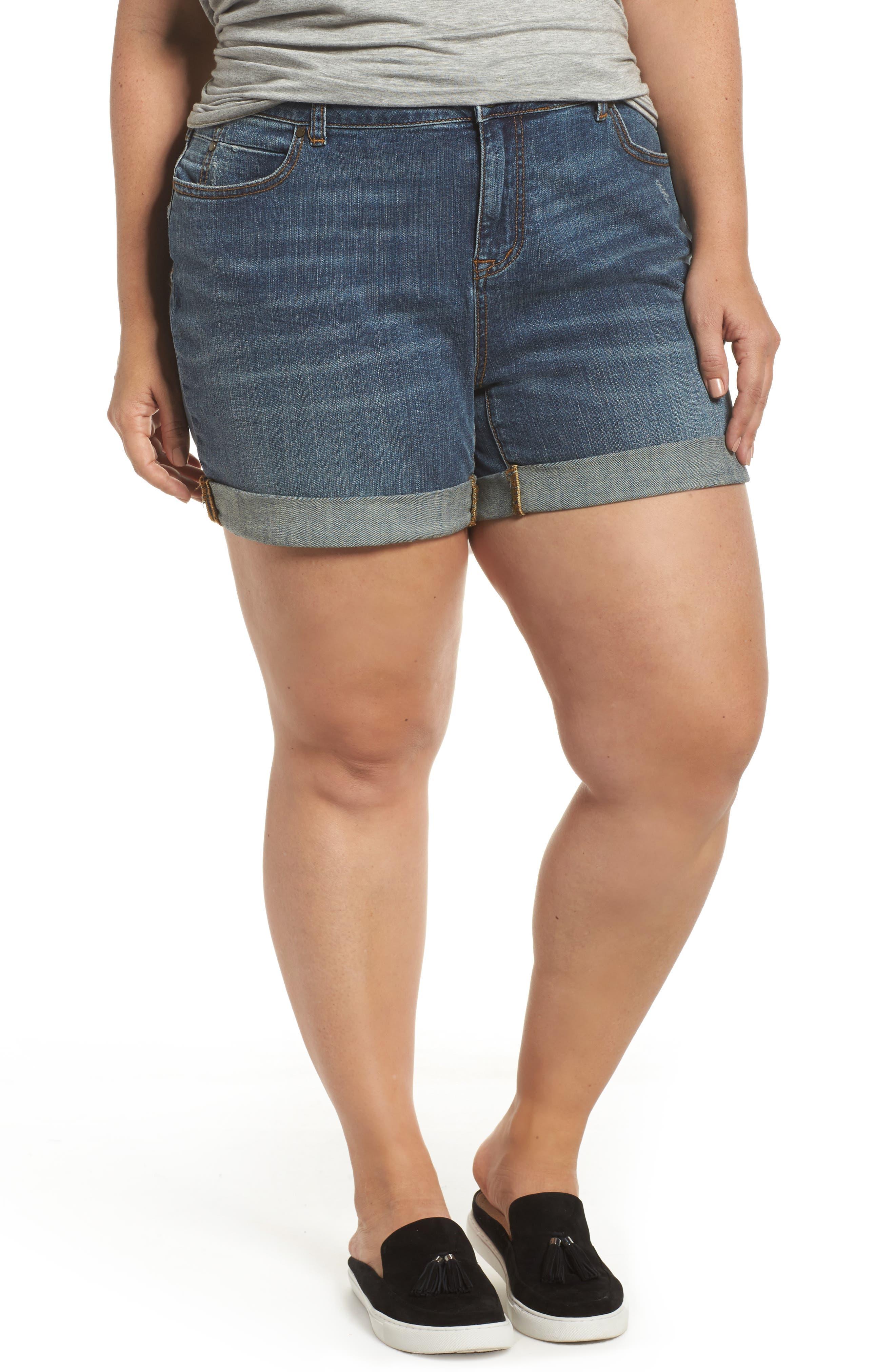Caslon® Rolled Denim Boyfriend Shorts (Medium Destruct) (Plus Size)