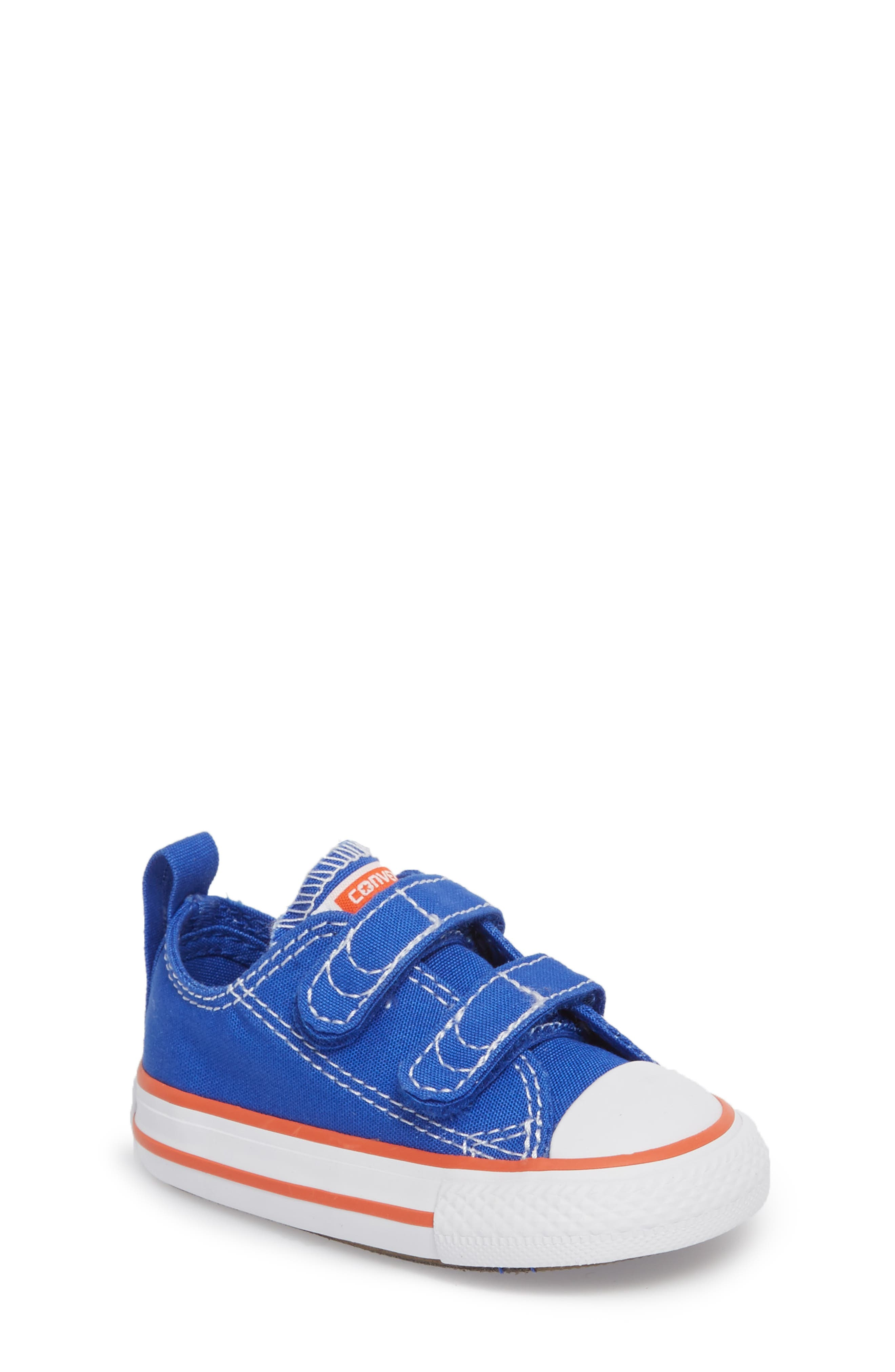 Main Image - Converse Chuck Taylor® All Star® Seasonal 2V Low Top Sneaker (Baby, Walker & Toddler)