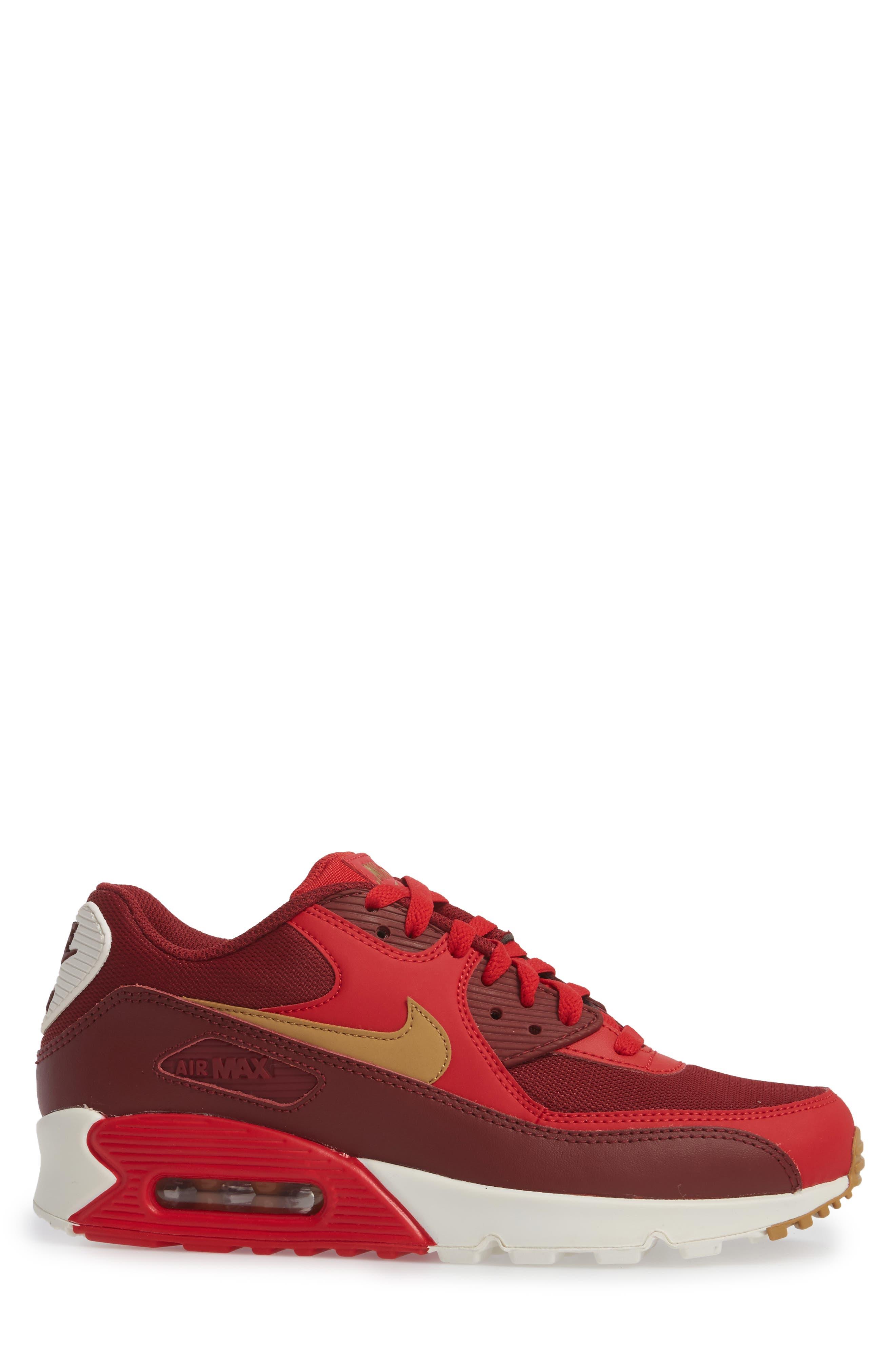 Alternate Image 3  - Nike 'Air Max 90 Essential' Sneaker (Men)