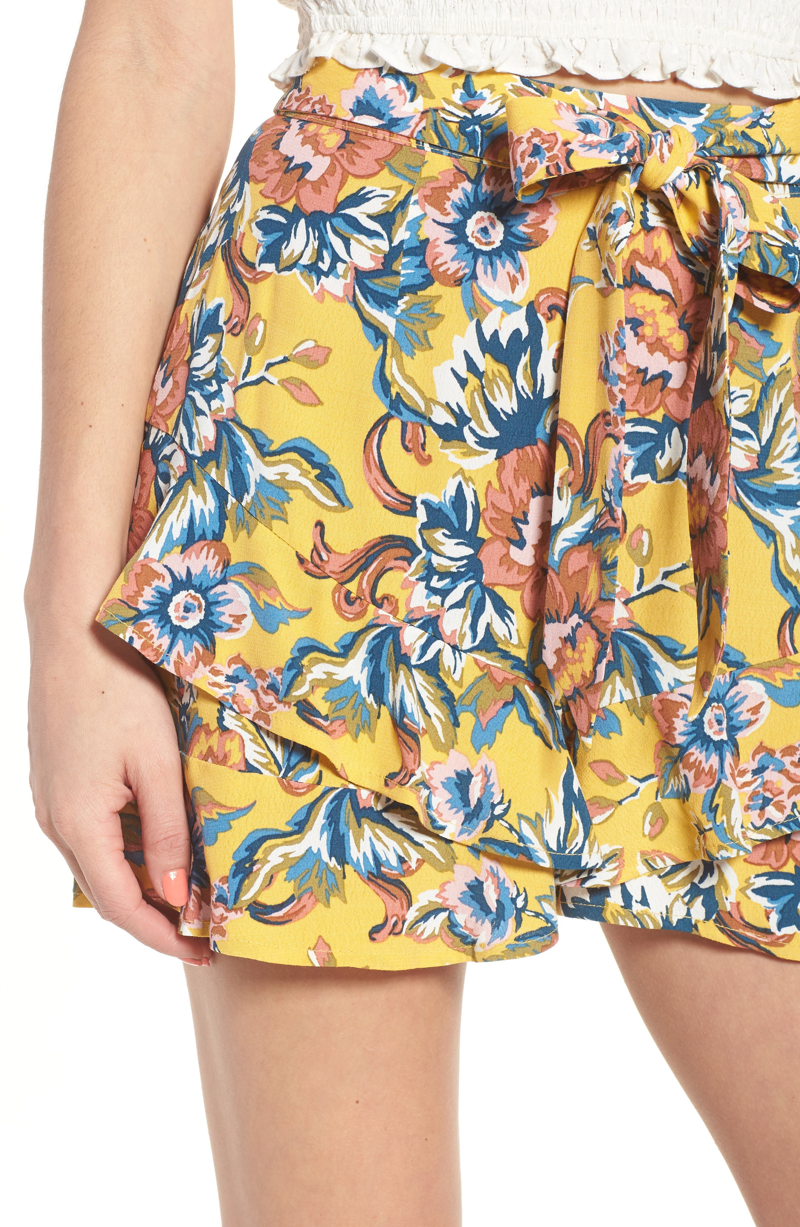 Print Ruffle Shorts,                             Alternate thumbnail 5, color,                             Yellow Ochre Tapestry Floral