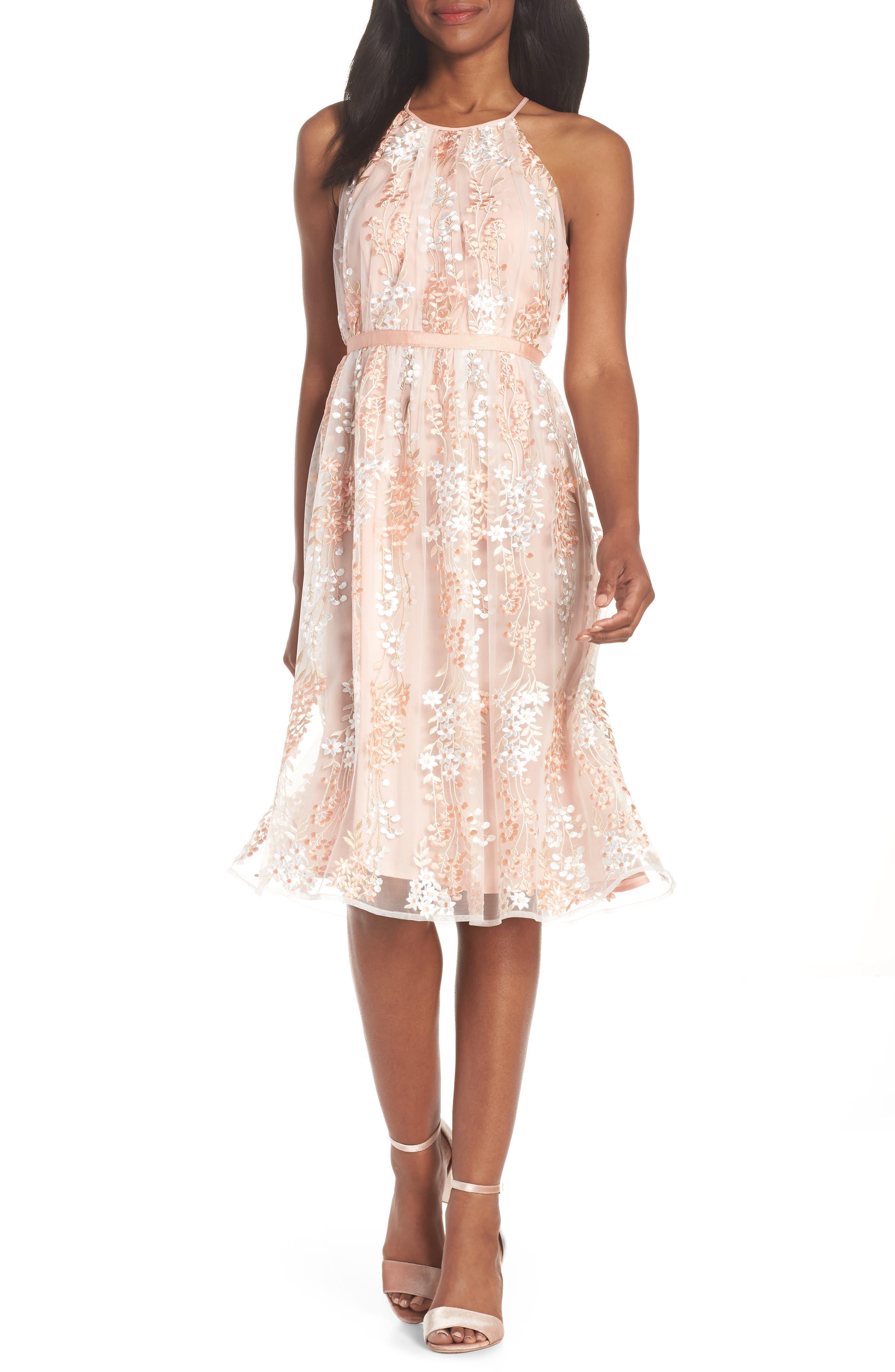 Maggy London Trailing Daisy Lace Midi Dress (Regular & Petite)