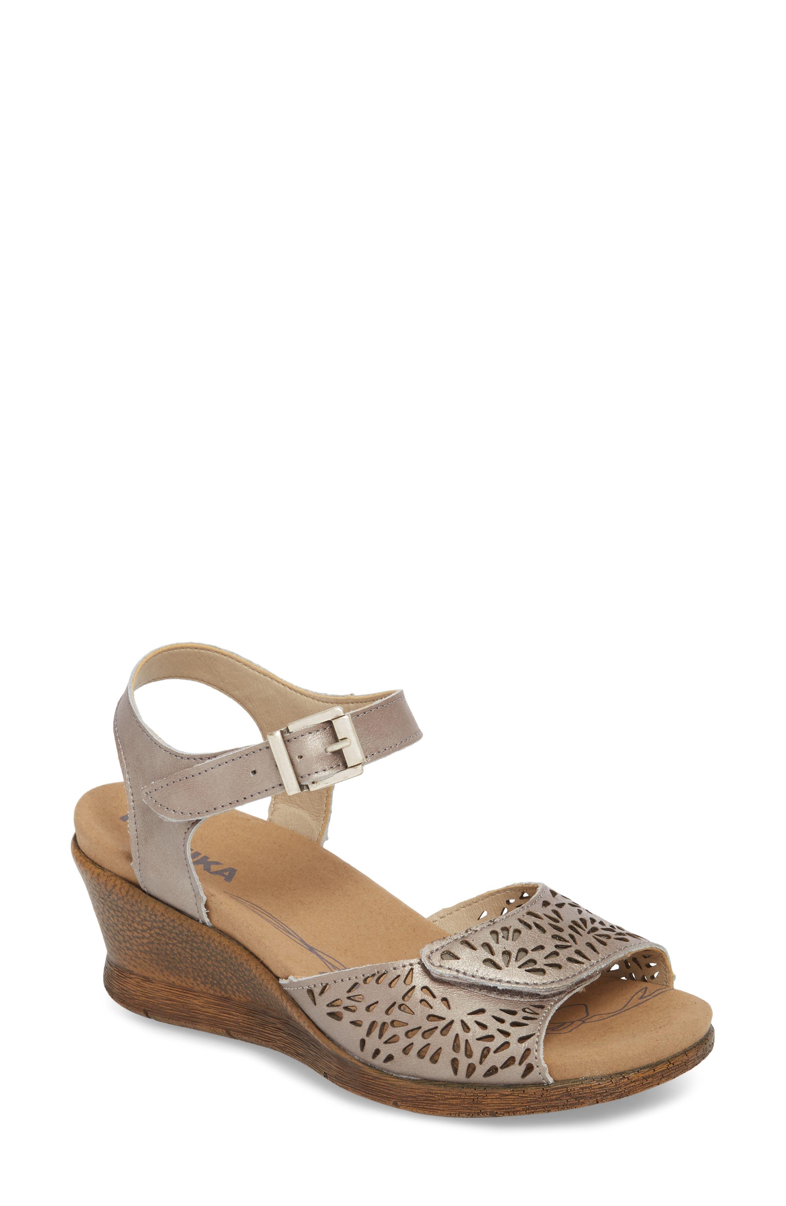Nevis 05 Sandal,                         Main,                         color, Platinum Leather
