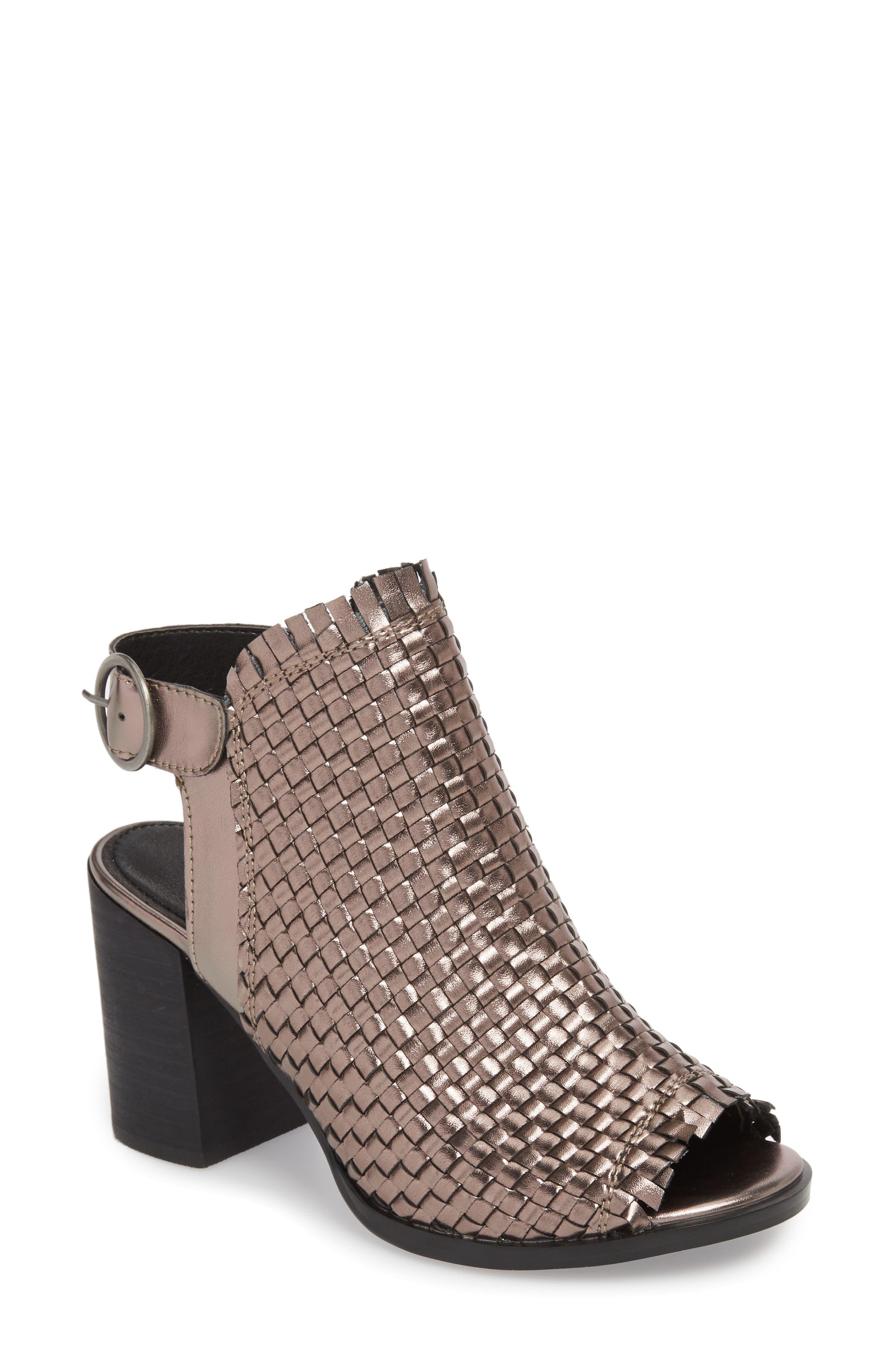 05453c073912 Women s Very Volatile Shoes